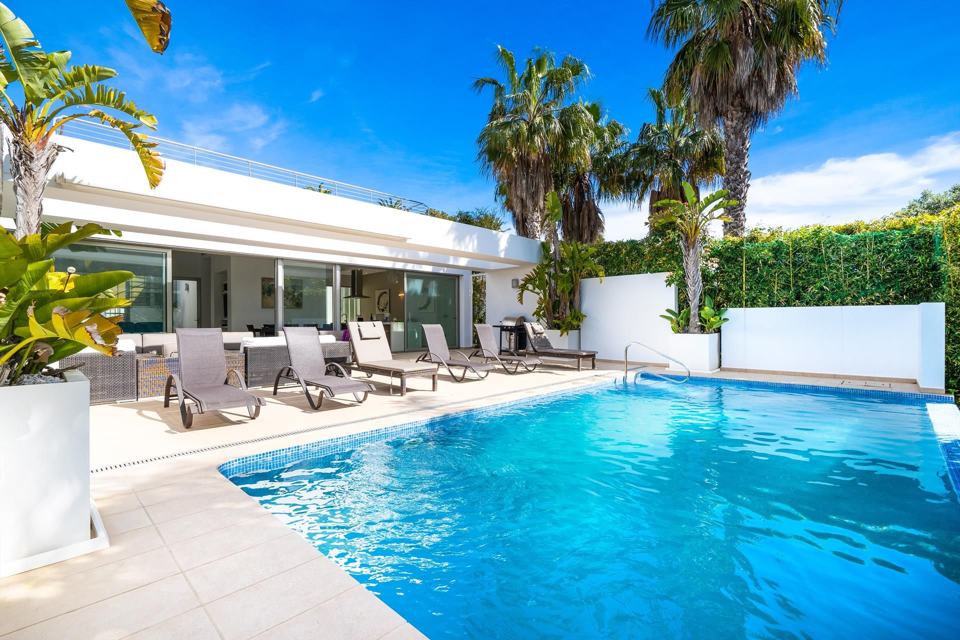 Casa Elche, Modern and nice villa in Javea, on the Costa Blanca, Spain  with heated pool for 8 persons.....