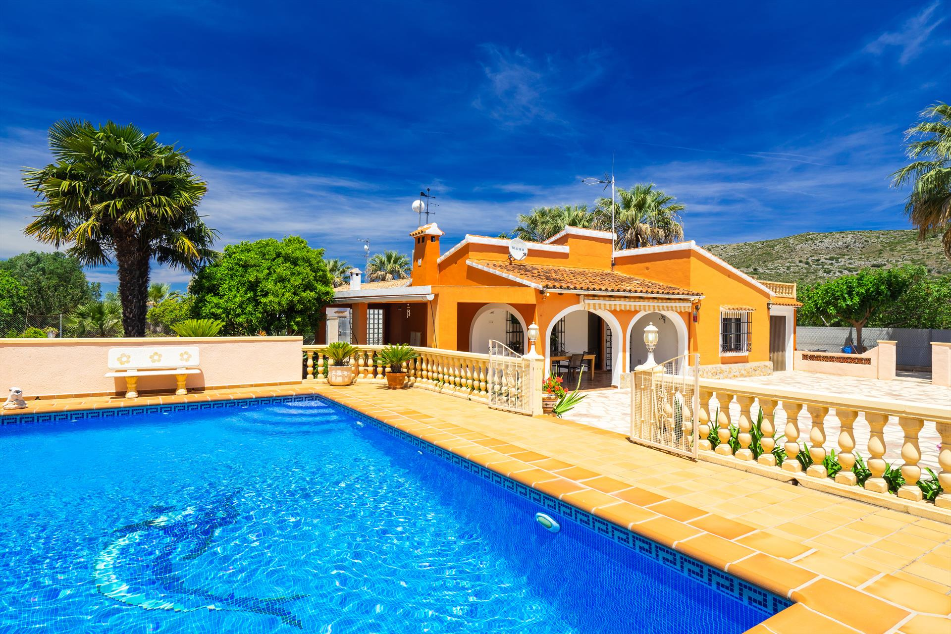 Casita Lujan, Large and cheerful villa in Denia, on the Costa Blanca, Spain  with private pool for 5 persons.....