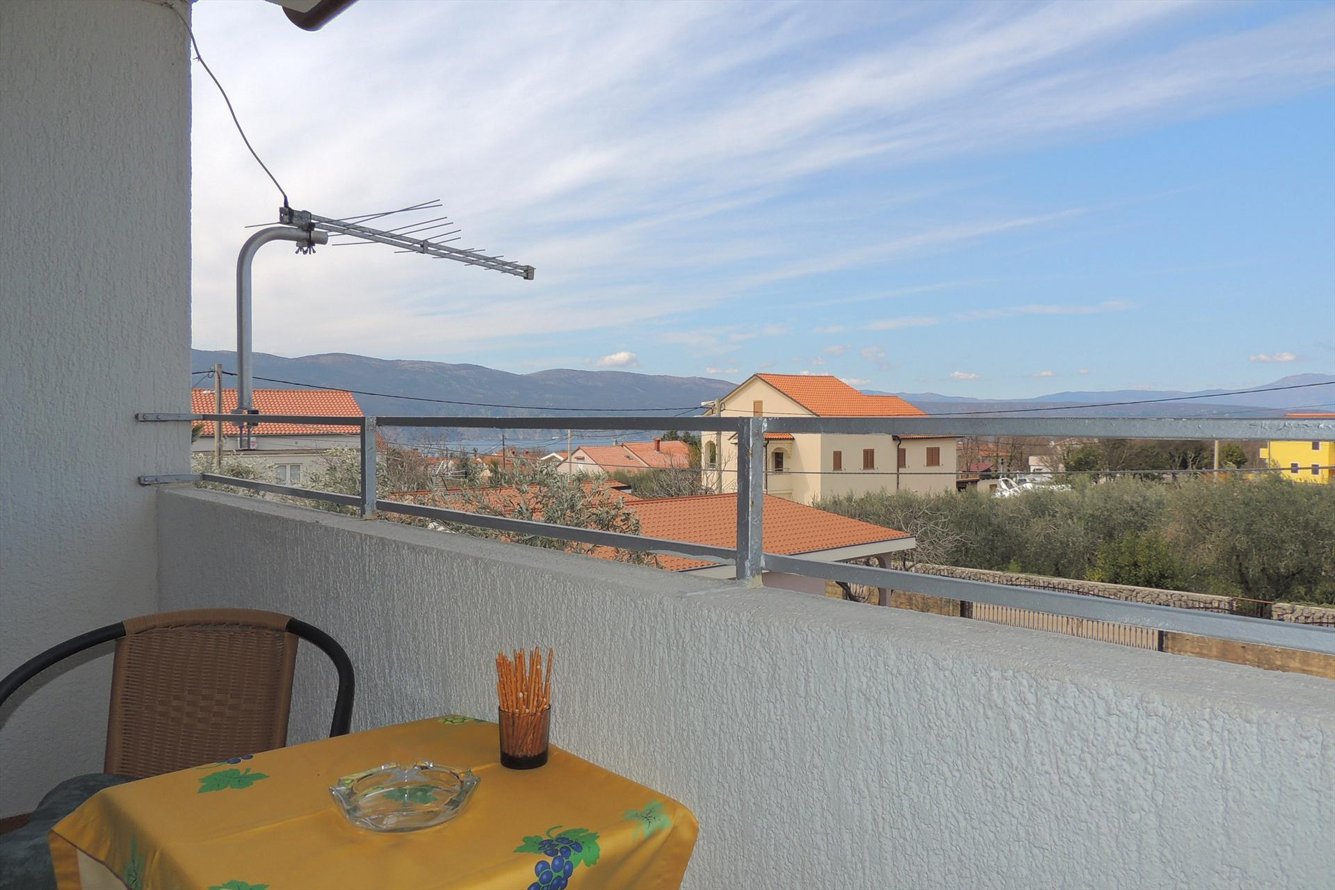 Attractive studio - balcony with sea view, wi-fi, private parking, Studio in Brzac, Island Krk, Kroatië voor 2 personen...
