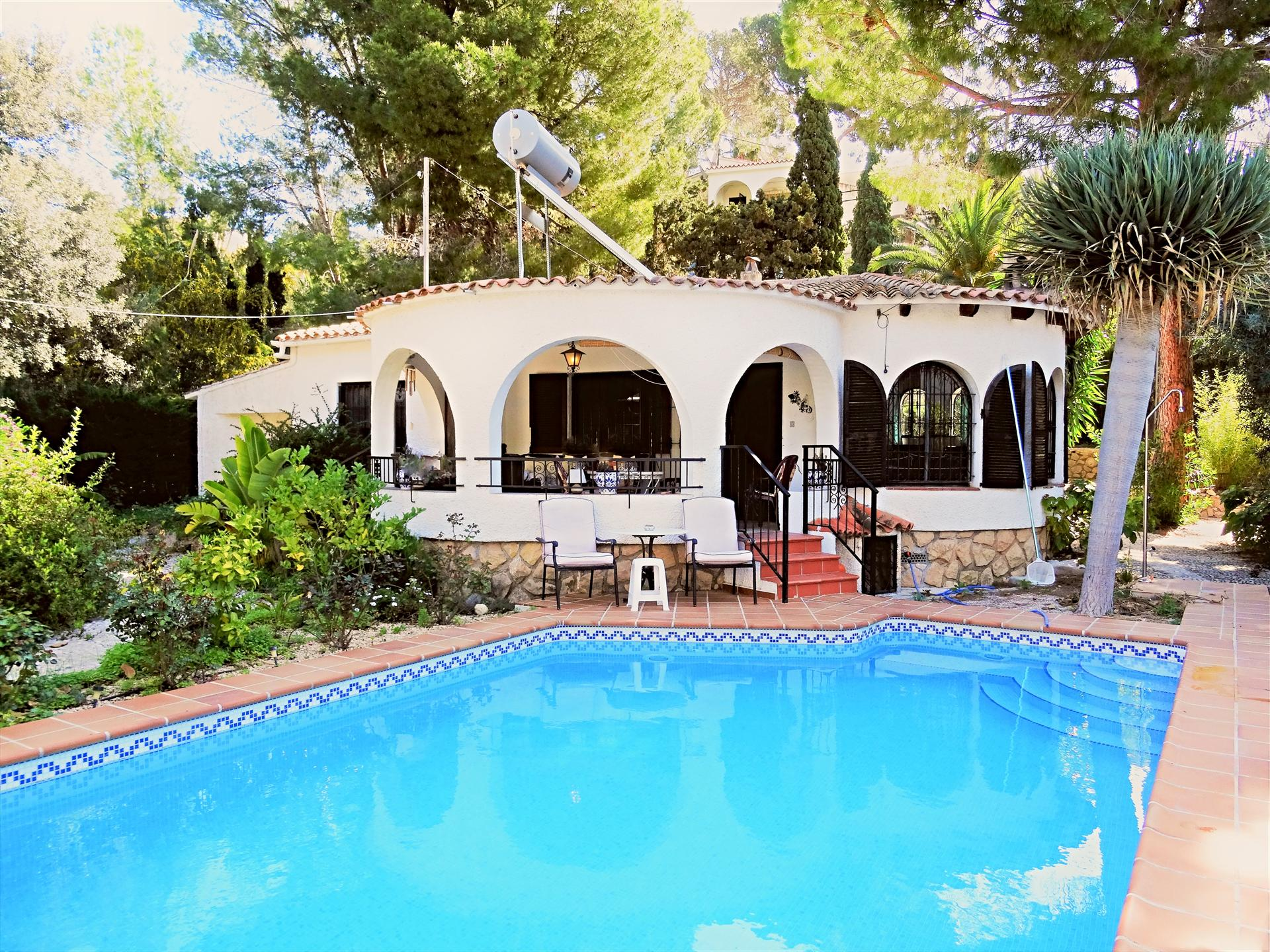 Rustic and comfortable villa in Altea, on the Costa Blanca, Spain  with private pool for 6 persons
