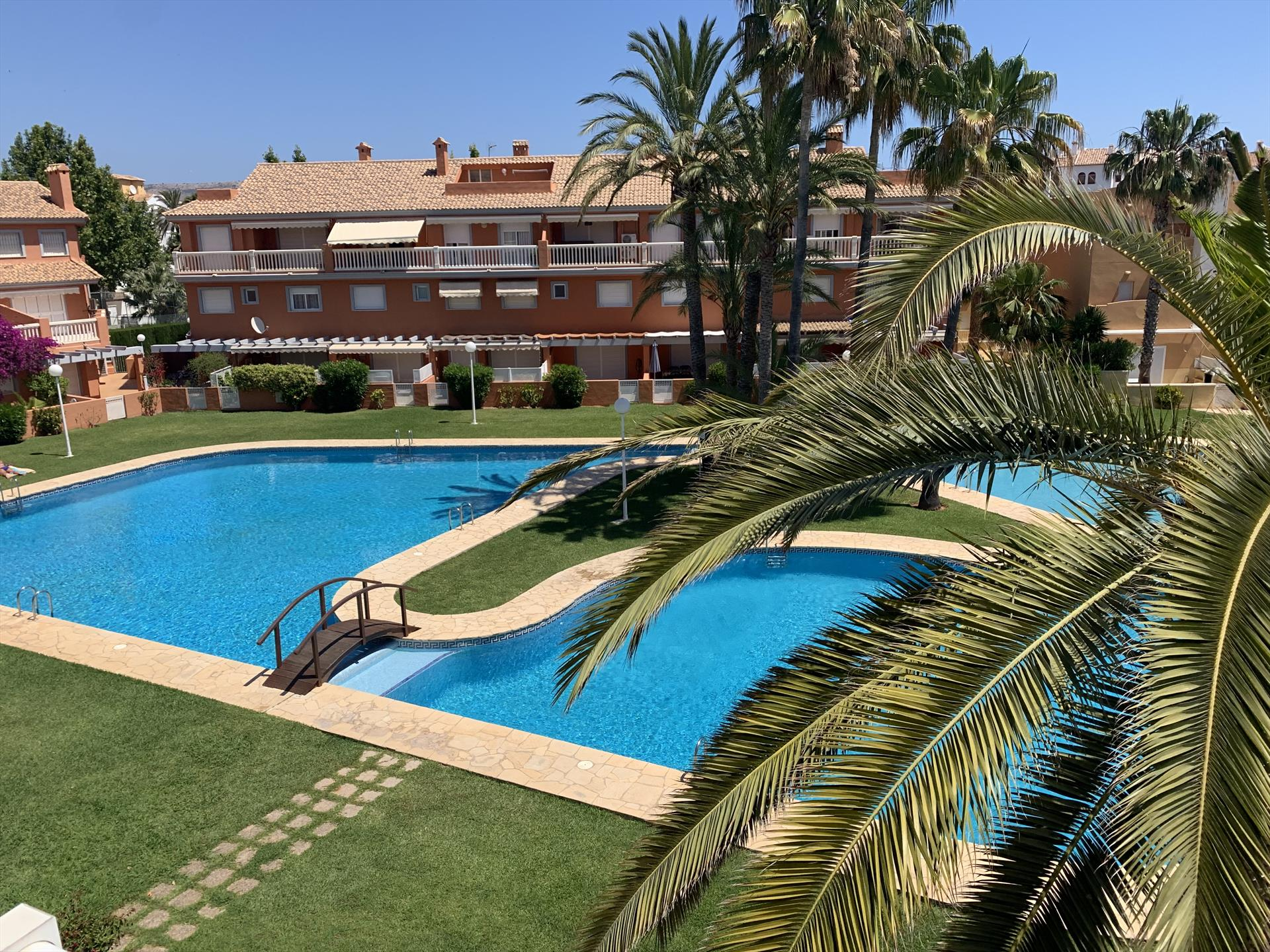 Chez Vega, Wonderful and comfortable apartment  with communal pool in Javea, on the Costa Blanca, Spain for 4 persons.....