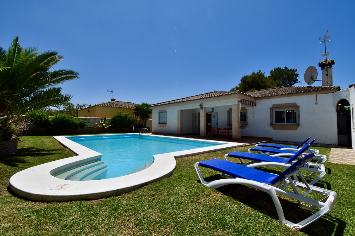 Mariposa, Villa in Chiclana de la Frontera, Andalusia, Spain  with private pool for 7 persons.....