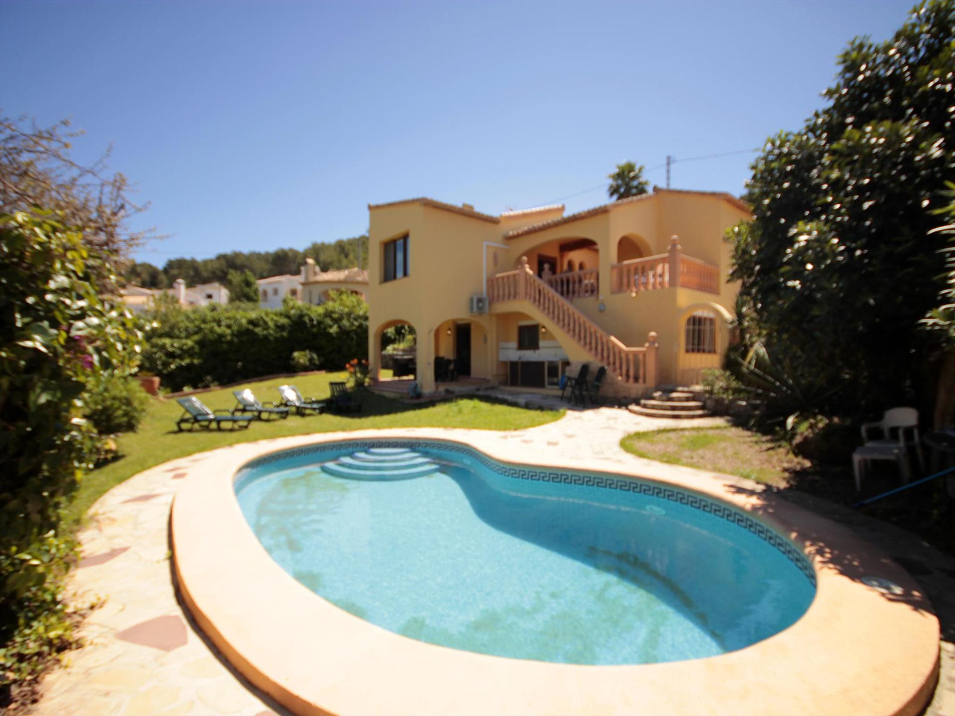 CECILIA, Large and nice villa  with private pool in Javea, on the Costa Blanca, Spain for 10 persons.....