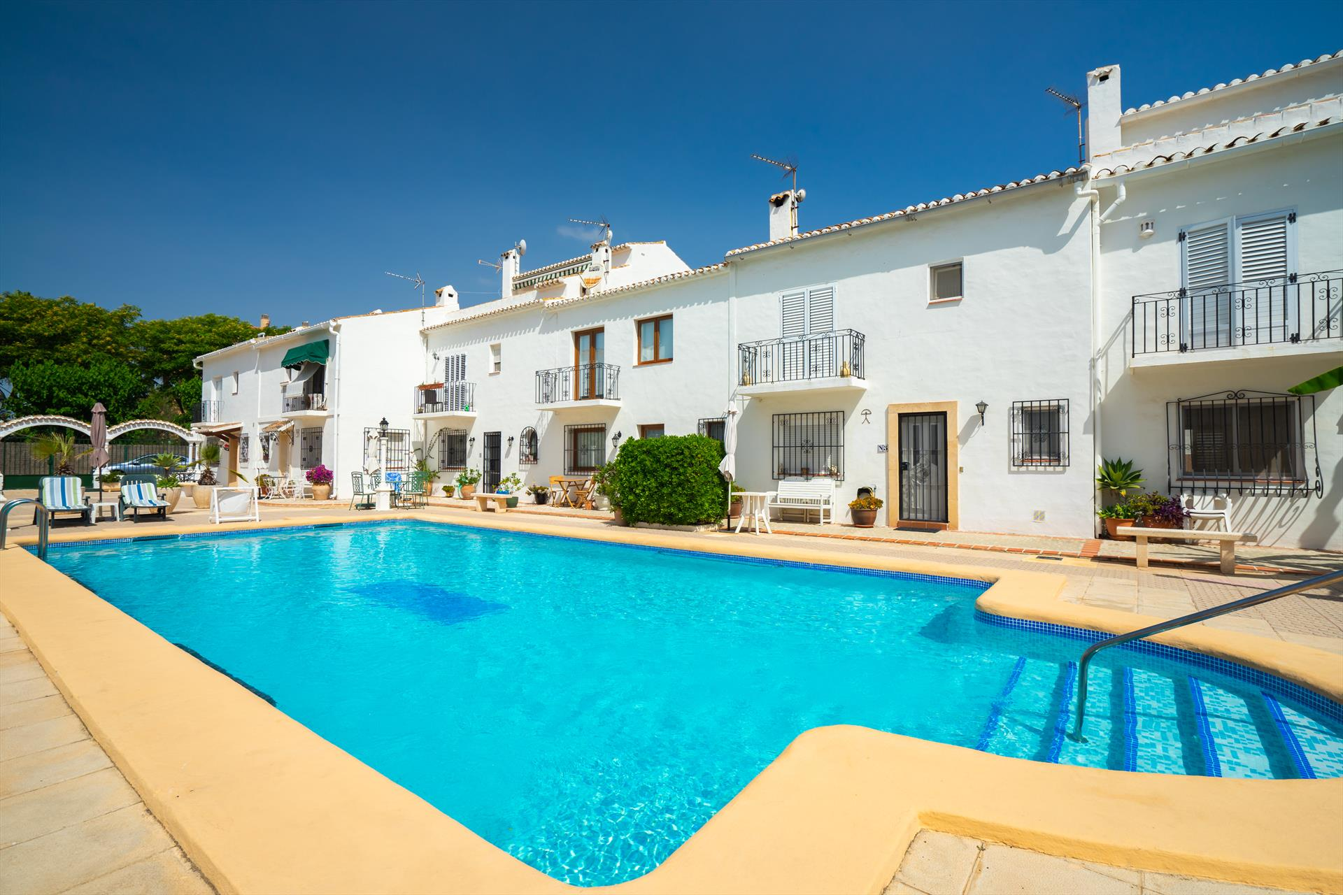 Pueblo Blanco II, Classic and cheerful apartment in Javea, on the Costa Blanca, Spain for 4 persons...