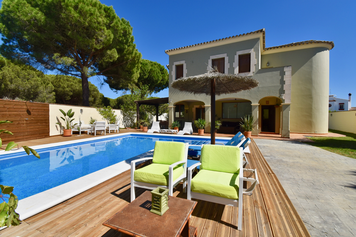 Verde, Villa  with private pool in Conil, Andalusia, Spain for 10 persons.....