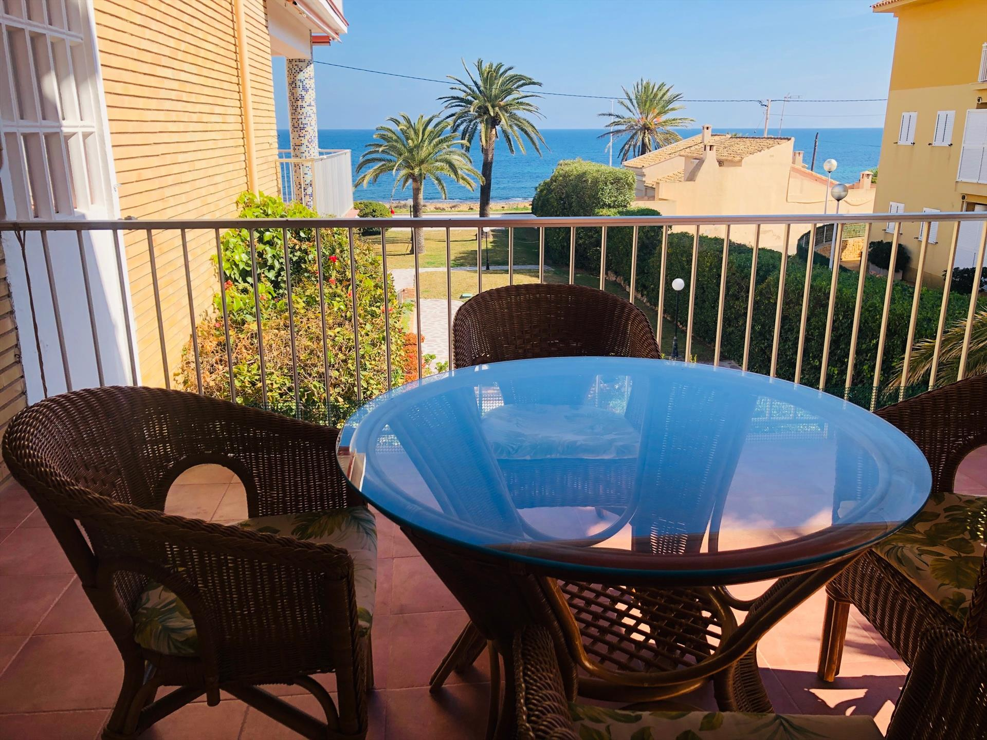 La Llave,Wonderful and nice apartment with communal pool in Javea, on the Costa Blanca, Spain for 6 persons. The apartment is situated.....