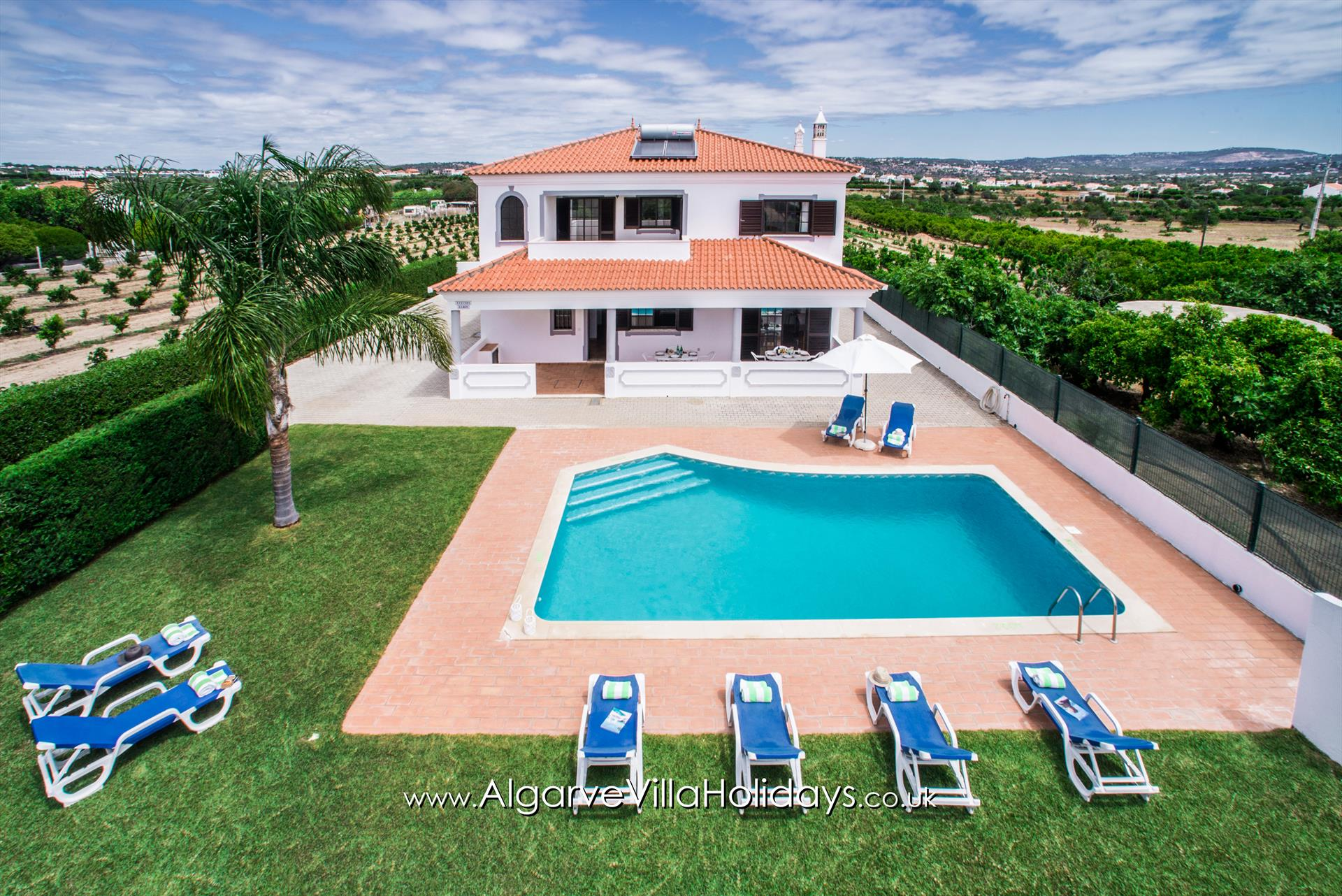 Ramos, Beautiful and comfortable villa  with private pool in Albufeira, on the Algarve, Portugal for 8 persons.....