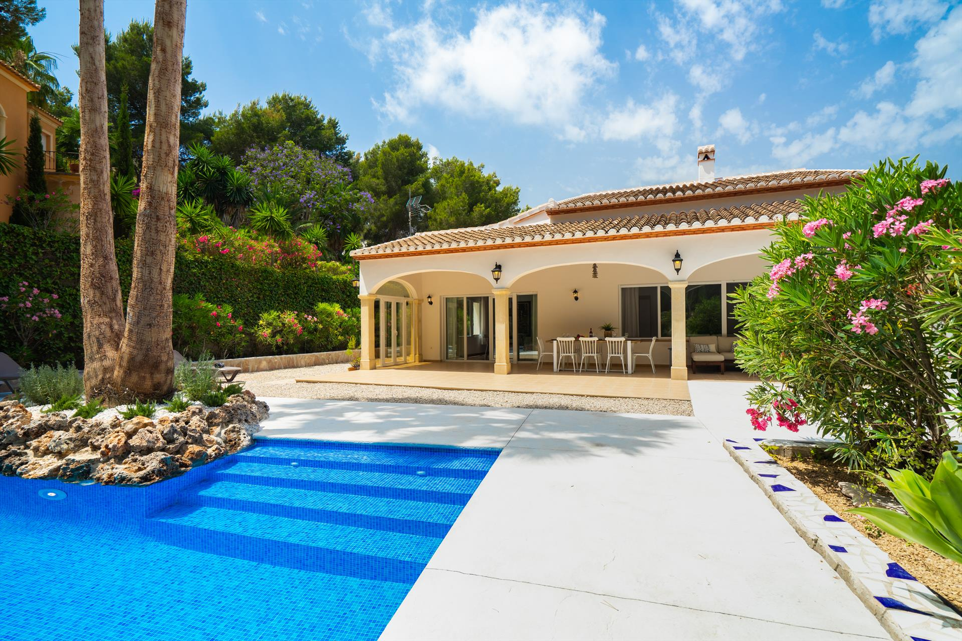 Alma 4 pax, Beautiful and comfortable villa  with private pool in Javea, on the Costa Blanca, Spain for 4 persons...