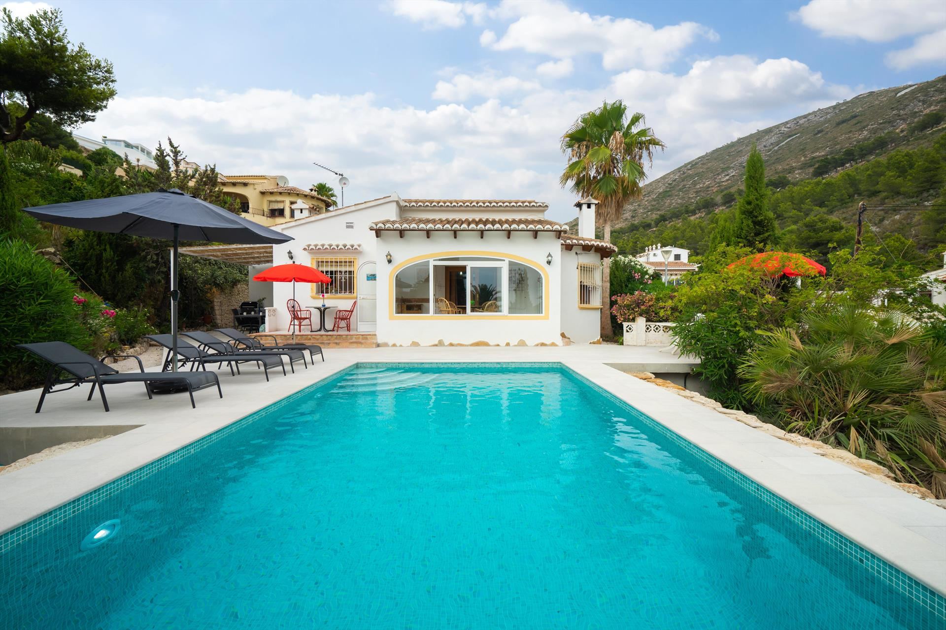 Nora, Beautiful and cheerful villa in Benitachell, on the Costa Blanca, Spain  with private pool for 6 persons...