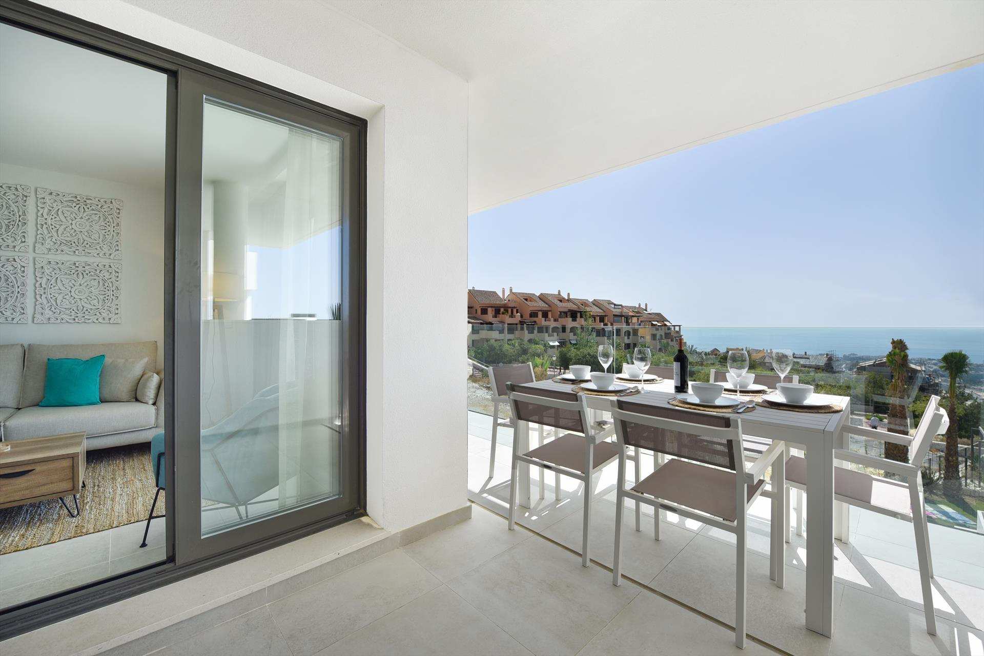 New Horizon, Modern and comfortable apartment in Benalmádena, Andalusia, Spain  with communal pool for 6 persons.....