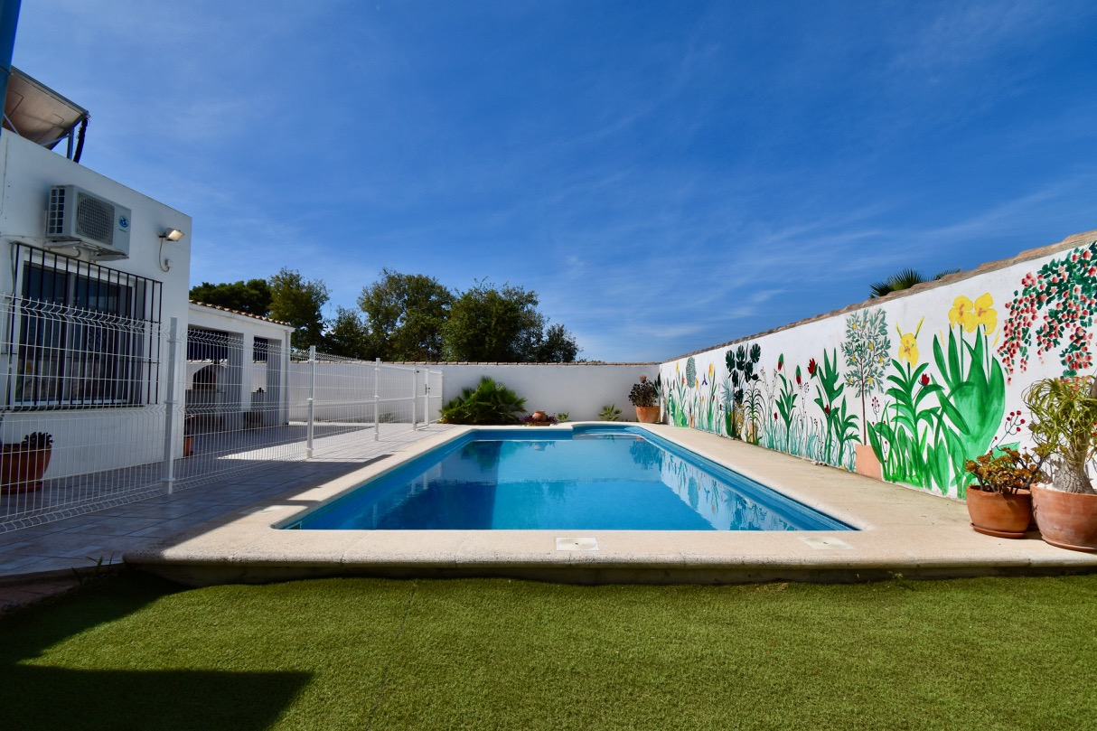 Los Montes, Villa in Chiclana de la Frontera, Andalusia, Spain  with private pool for 6 persons.....