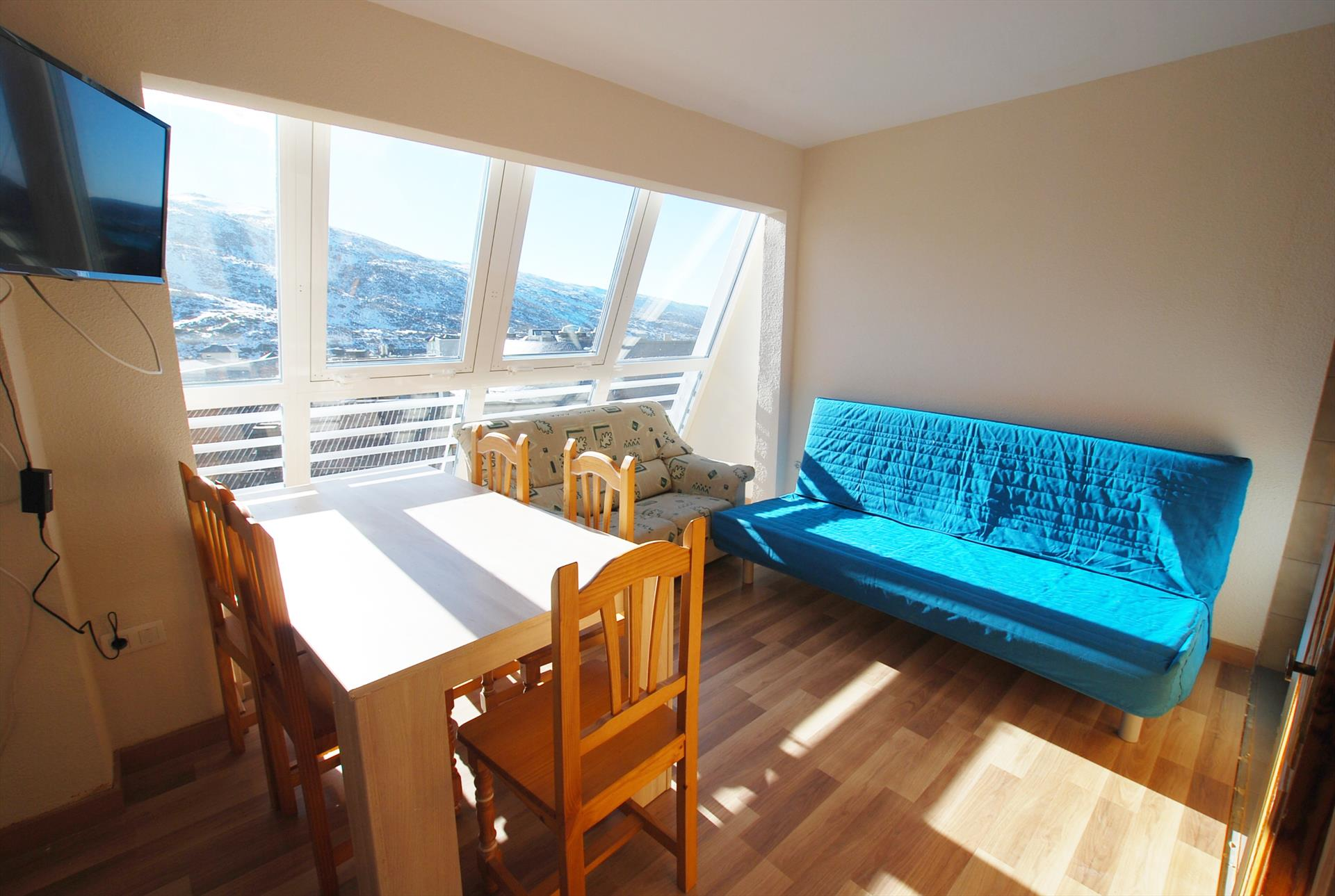 Apartamento montblanc 600, Apartment in Sierra Nevada, Sierra Nevada, Spain for 6 persons...