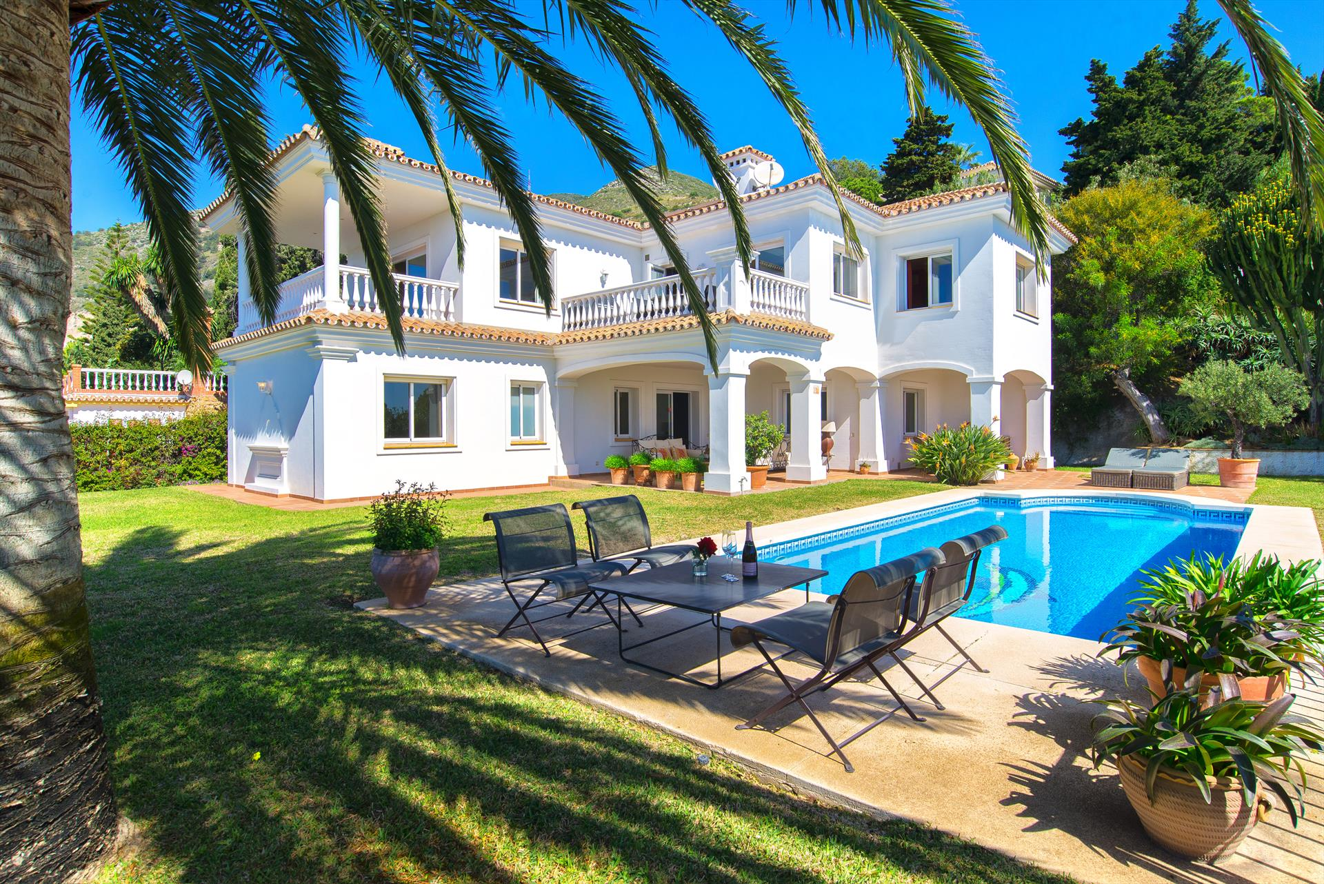 Casa Mirage, Luxury villa  with private pool in Benalmádena, Andalusia, Spain for 8 persons.....