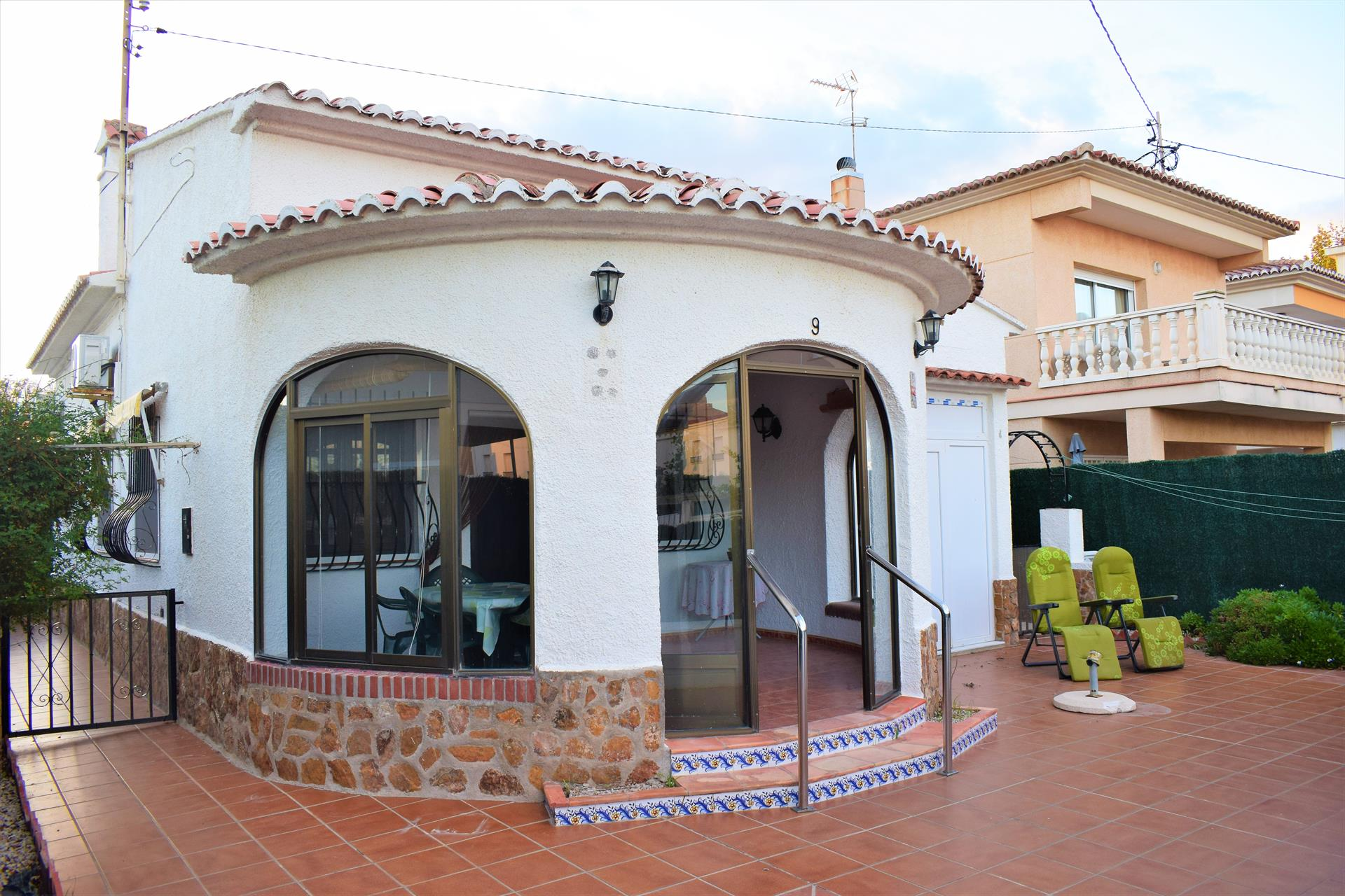 CH325 Chalet Playa Pau Pi, Wonderful and classic holiday house in Oliva, on the Costa Blanca, Spain for 6 persons.....