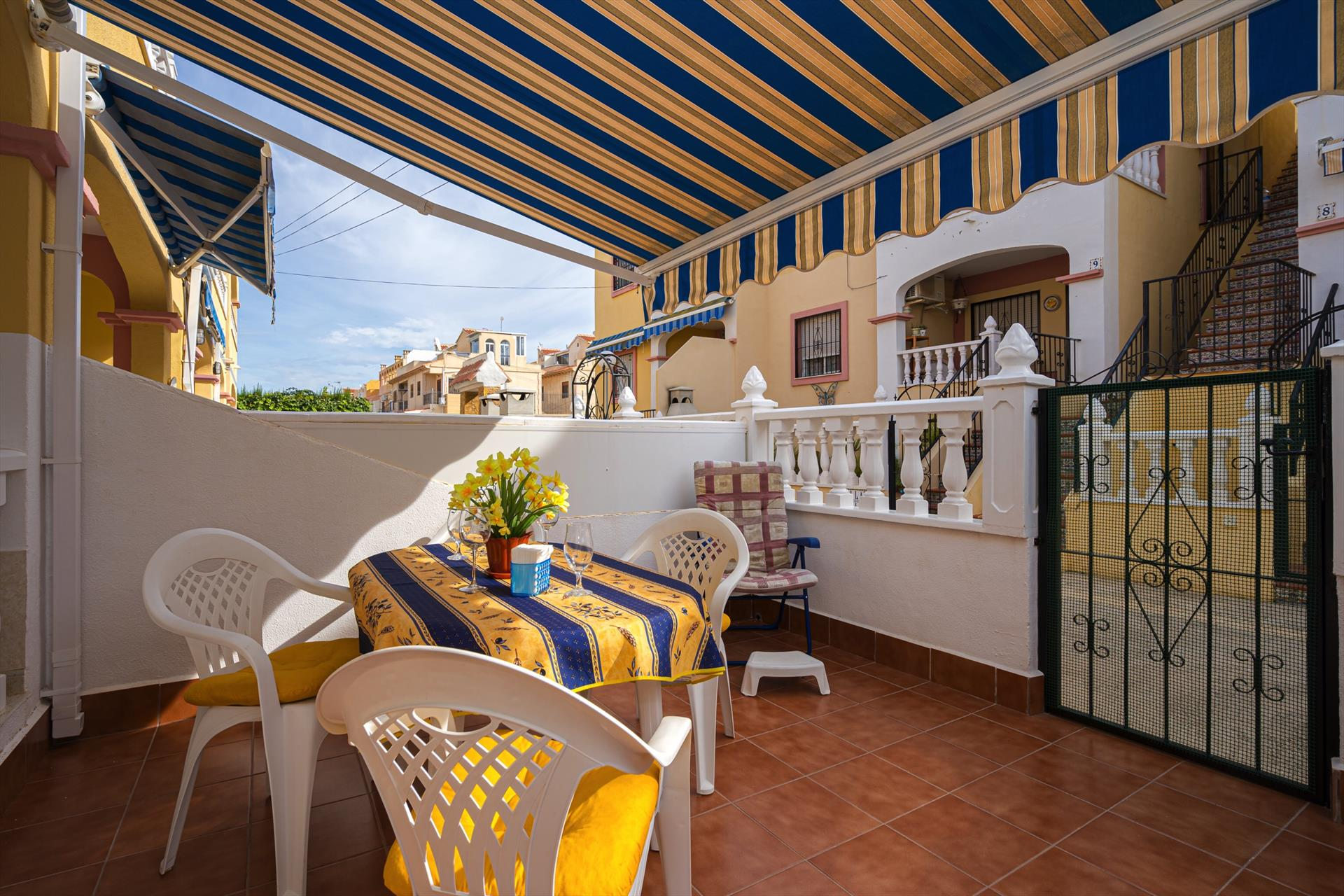 Hierbas, Rustic apartment  with communal pool in Torrevieja, on the Costa Blanca, Spain for 4 persons.....