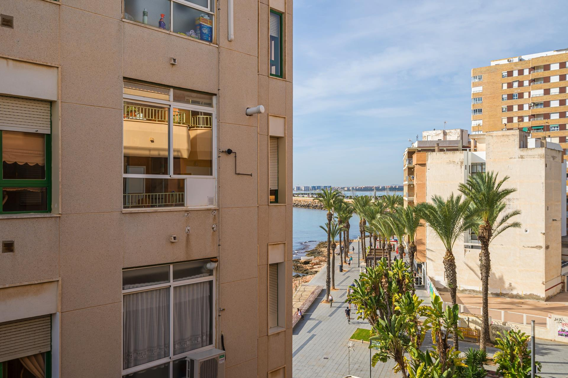 Violeta, Large and classic apartment in Torrevieja, on the Costa Blanca, Spain for 6 persons.....