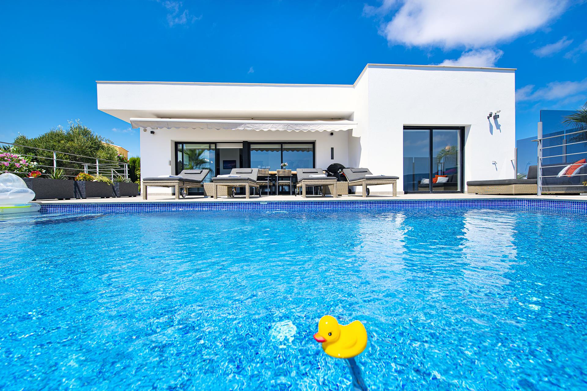 Villa Irene, Modern and comfortable villa  with private pool in Benitachell, on the Costa Blanca, Spain for 6 persons...