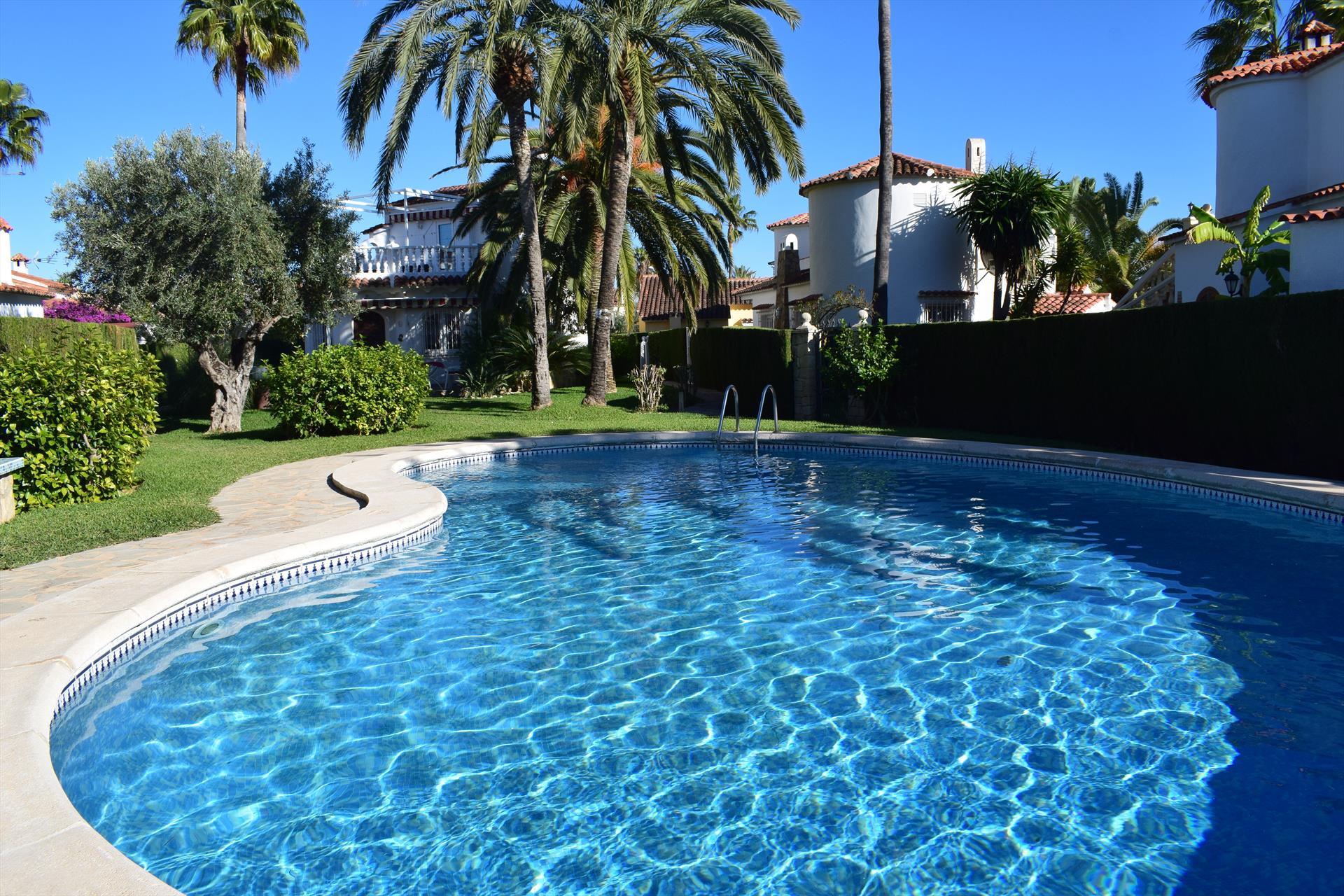 VI4027 Velazquez Oliva Nova,Vivienda de vacaciones bonita y acogedora  con piscina comunitaria en Oliva, en la Costa Blanca, España para 6 personas.....