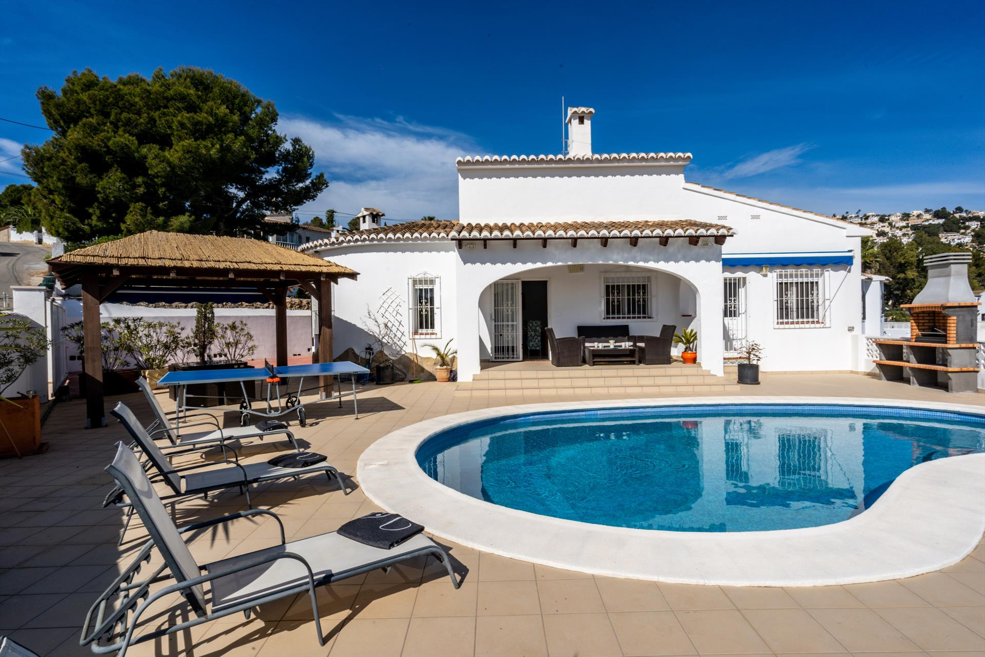 Charlotte, Modern and comfortable holiday home  with private pool in Benissa, on the Costa Blanca, Spain for 6 persons.....