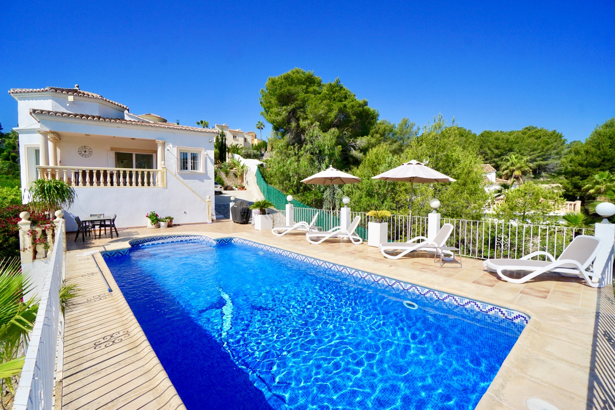 Lara, Modern and comfortable holiday home in Benissa, on the Costa Blanca, Spain  with private pool for 6 persons.....