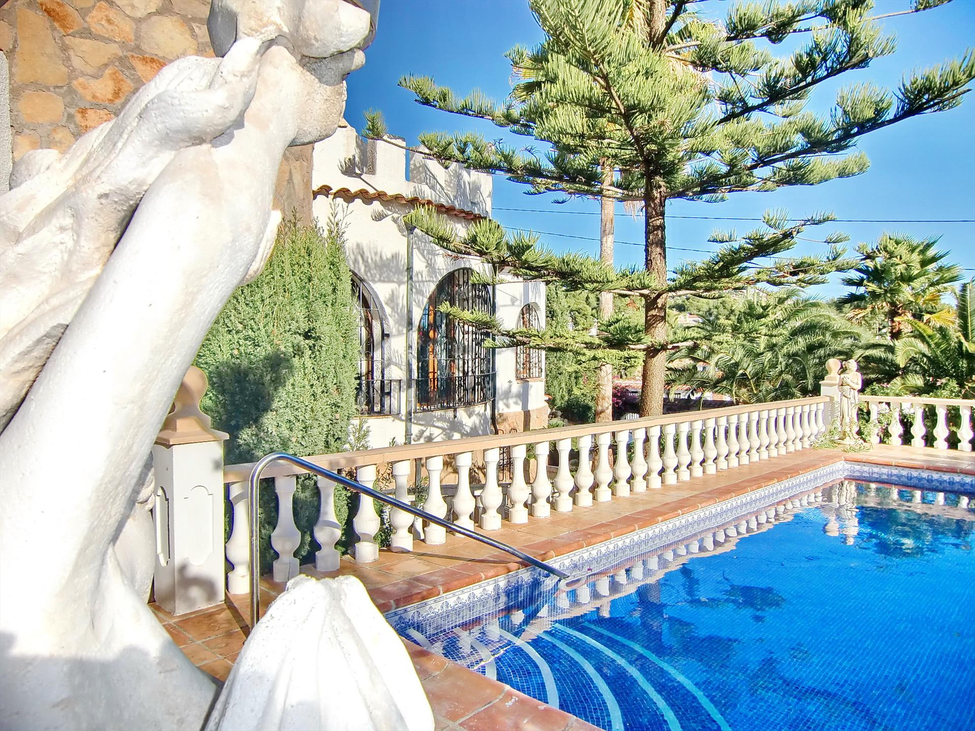 Alquileres Villamar  Leones 4p, Classic and romantic villa in Benissa, on the Costa Blanca, Spain  with private pool for 4 persons...