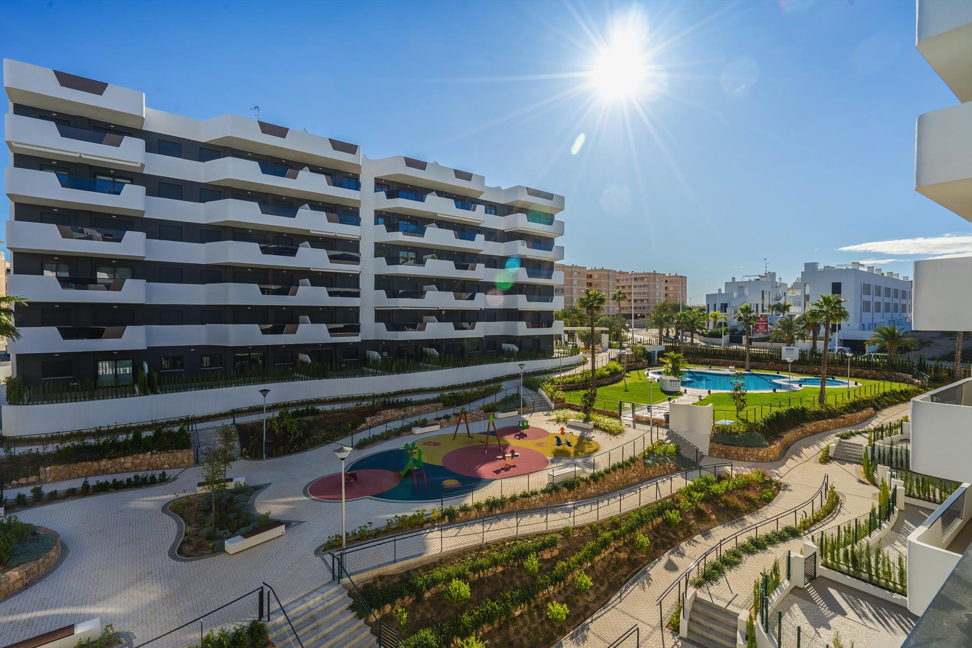 Laguna,Modern apartment  with communal pool in Arenales Del Sol, on the Costa Blanca, Spain for 4 persons.....