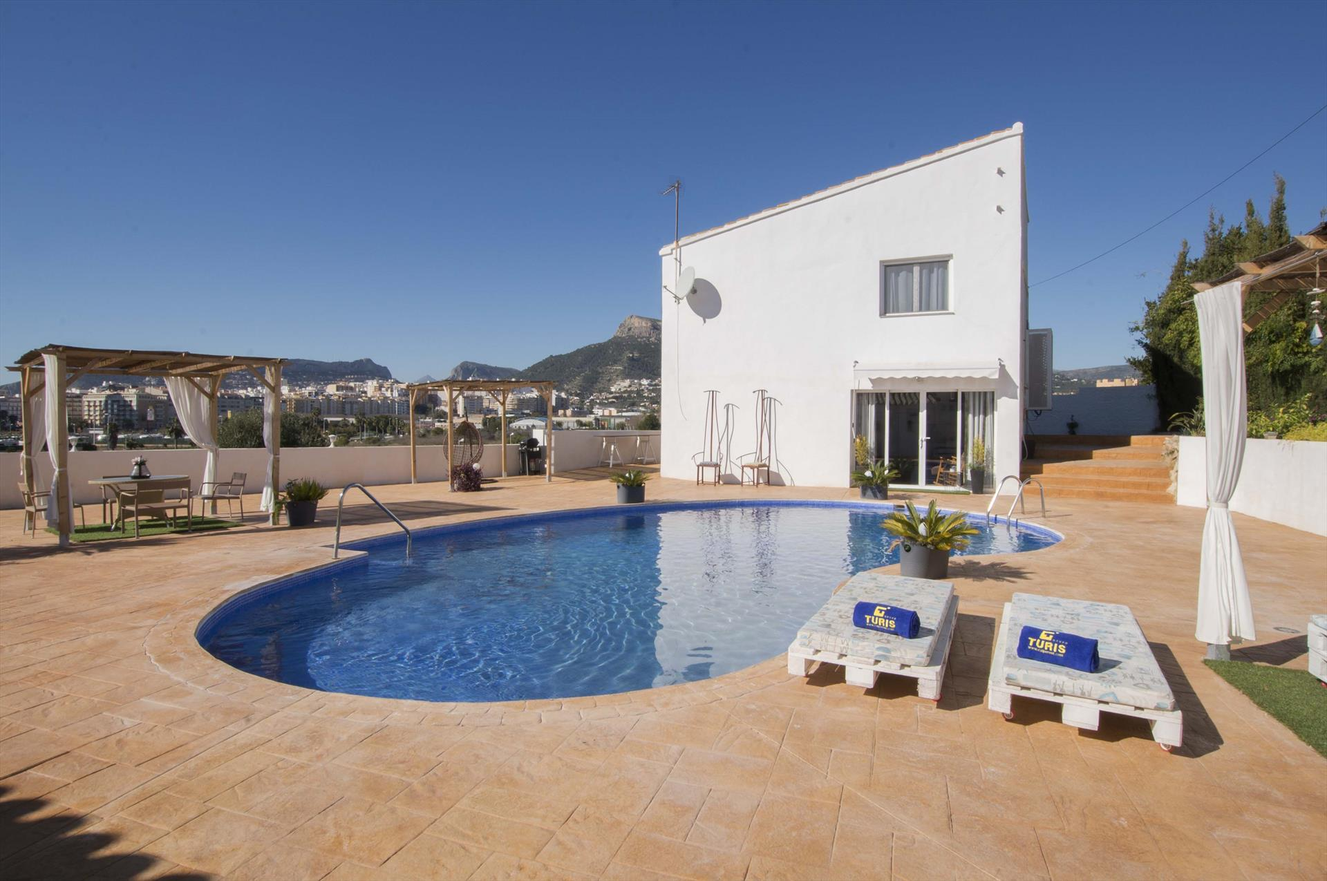 Villa Silene, Comfortable villa  with private pool in Calpe, on the Costa Blanca, Spain for 4 persons.....
