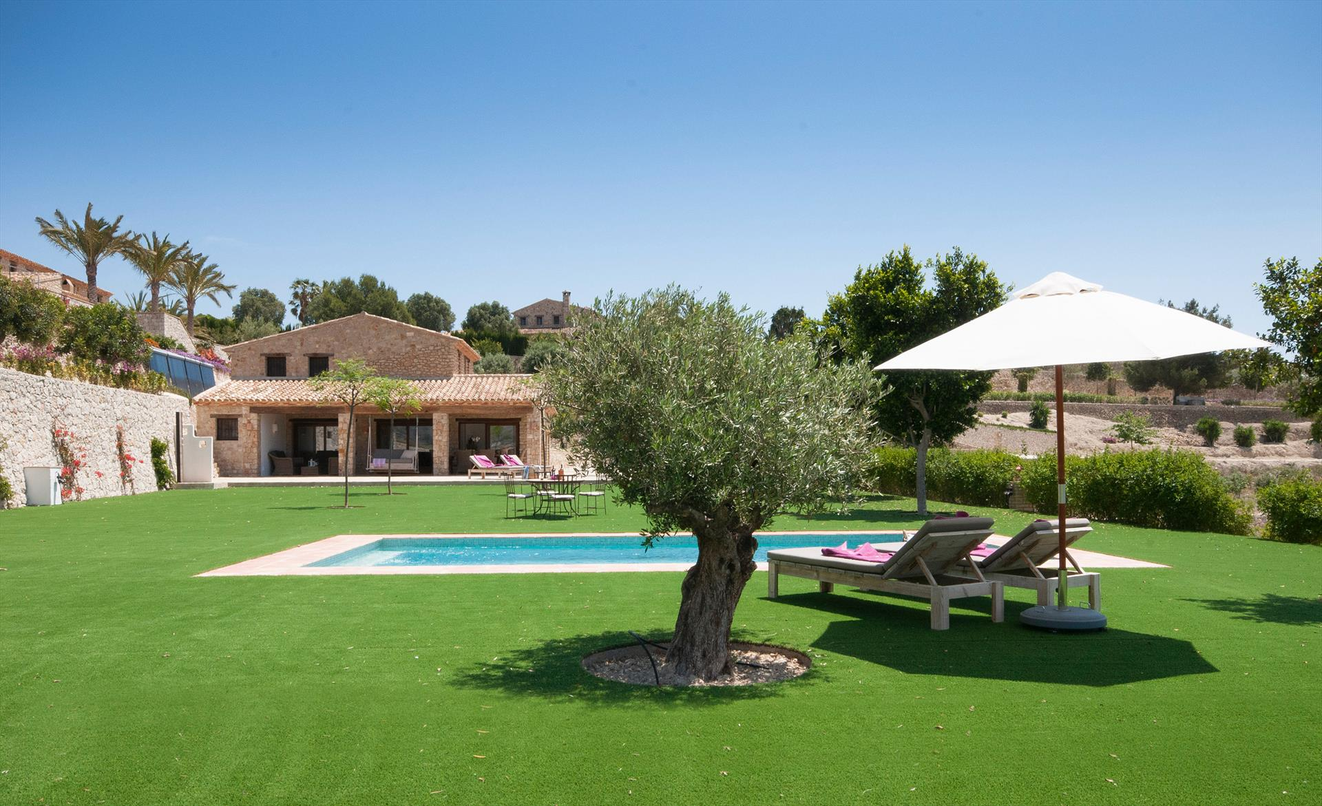 Finca Feliz, Wonderful and comfortable villa in Benissa, on the Costa Blanca, Spain  with private pool for 8 persons.....