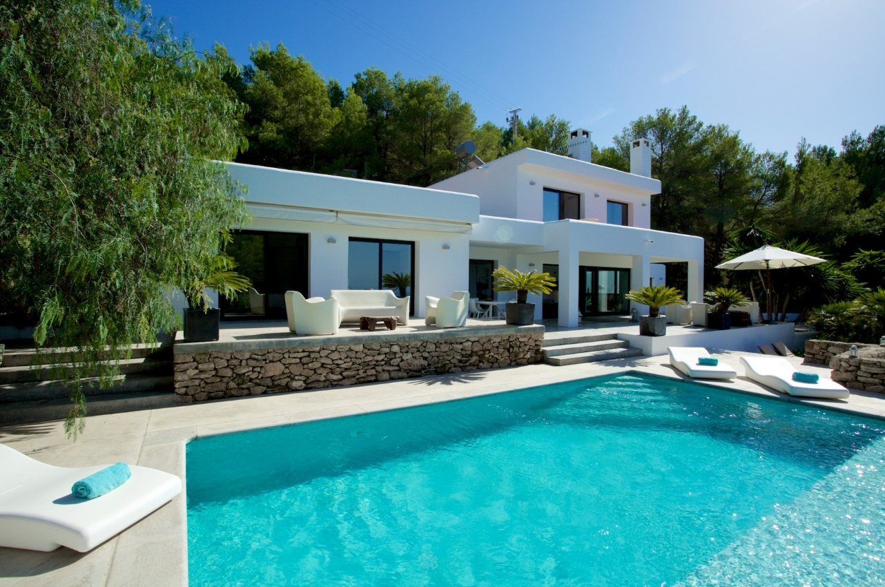 Can Luna, Modern and nice villa in Cala Tarida, Ibiza, Spain  with private pool for 8 persons...