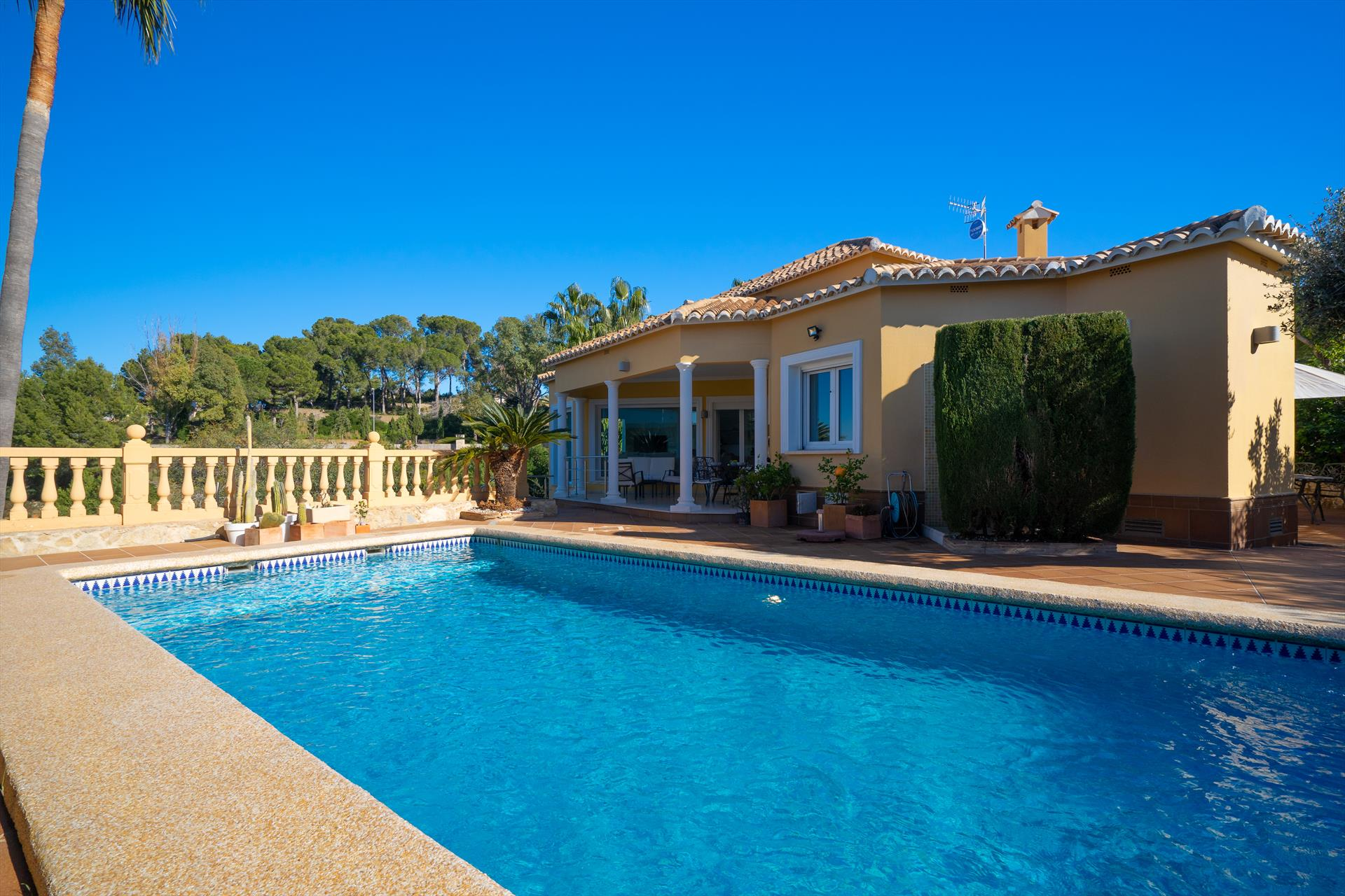 Hidalgo, Beautiful and comfortable villa in Denia, on the Costa Blanca, Spain  with private pool for 6 persons.....