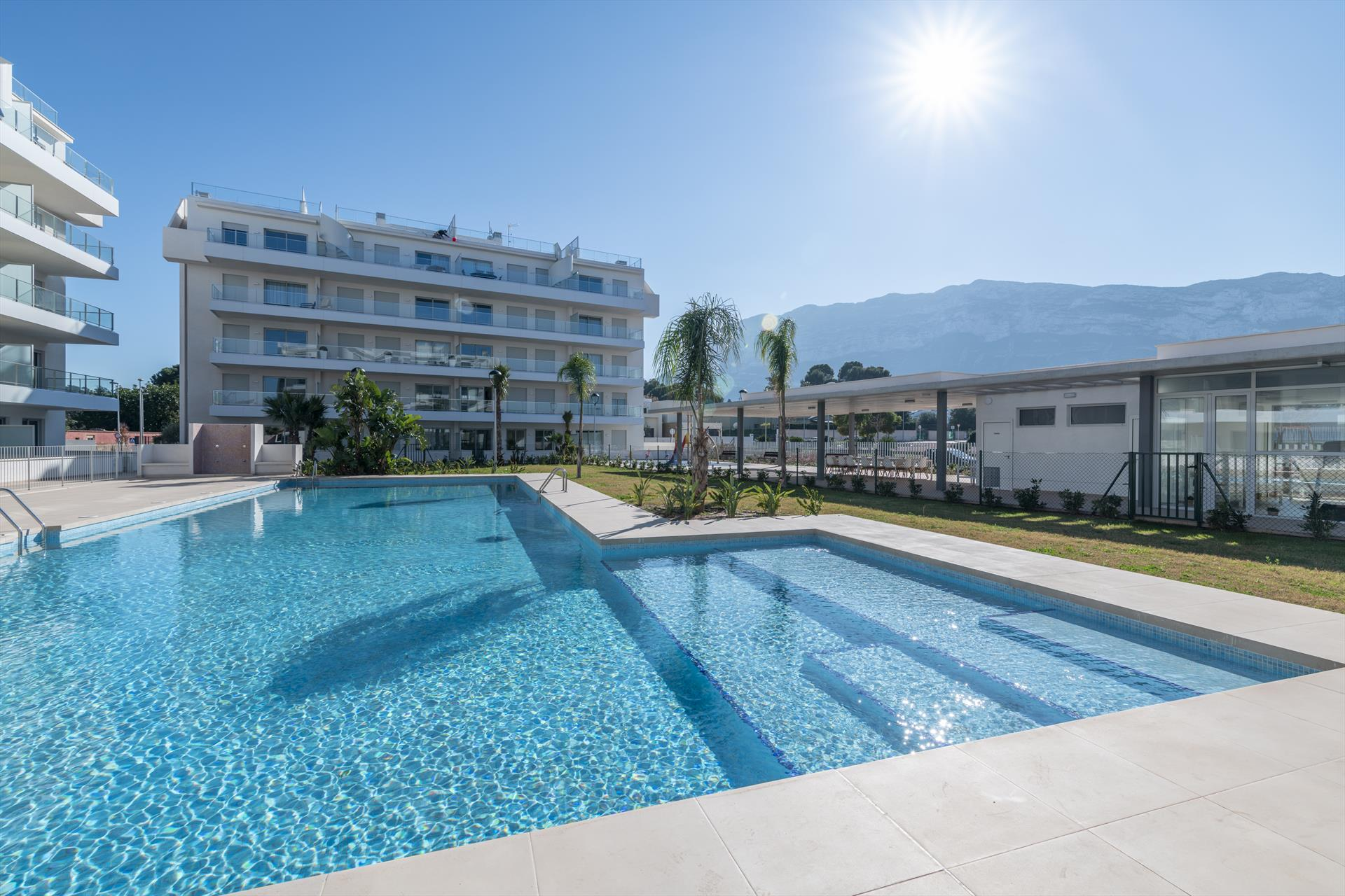 Marina Real I, Modern and comfortable apartment with communal pool in Denia, on the Costa Blanca, Spain for 4 persons. The apartment is.....