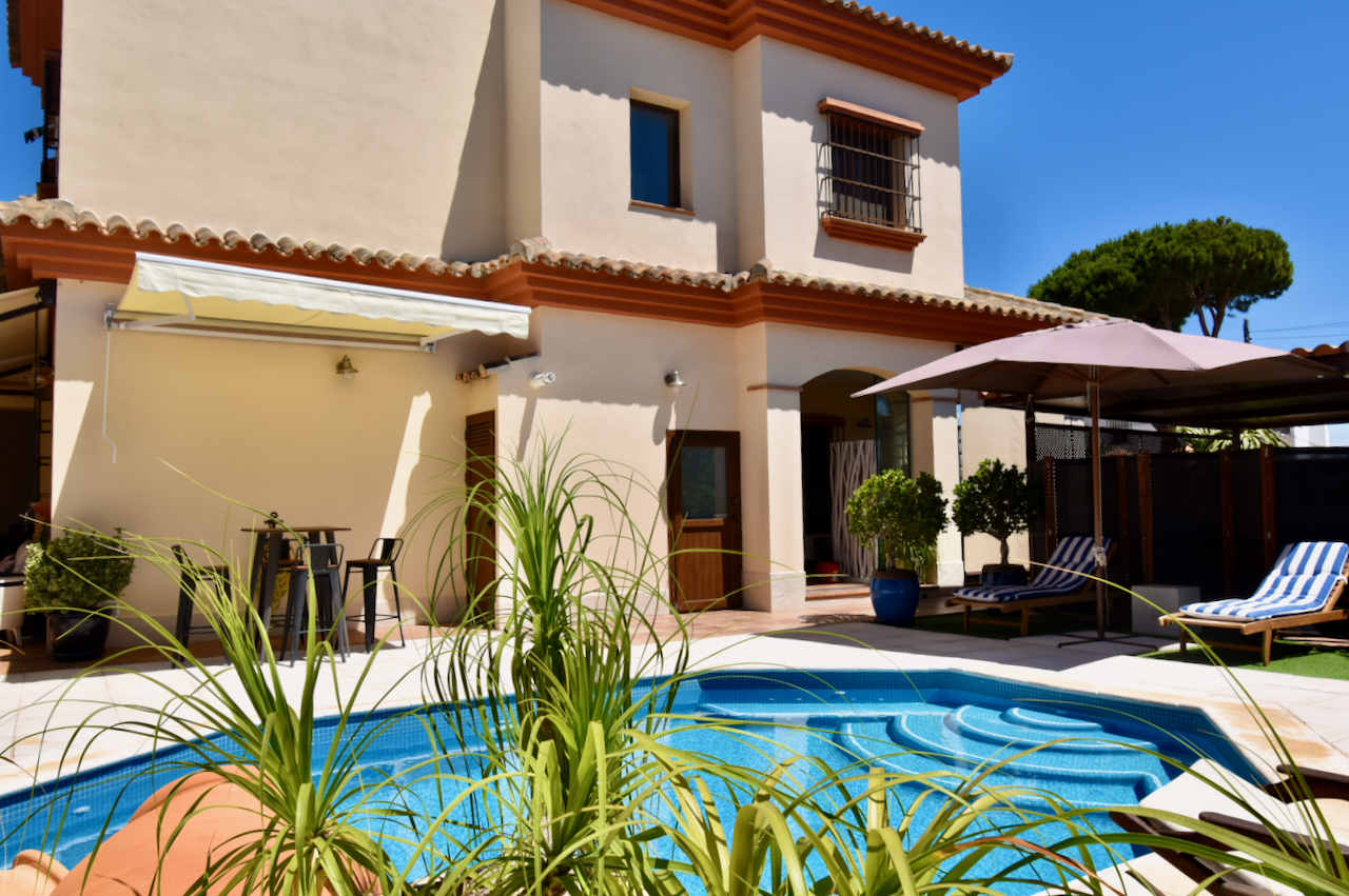 Las Tinajas, Villa in Chiclana de la Frontera, Andalusia, Spain  with private pool for 12 persons.....