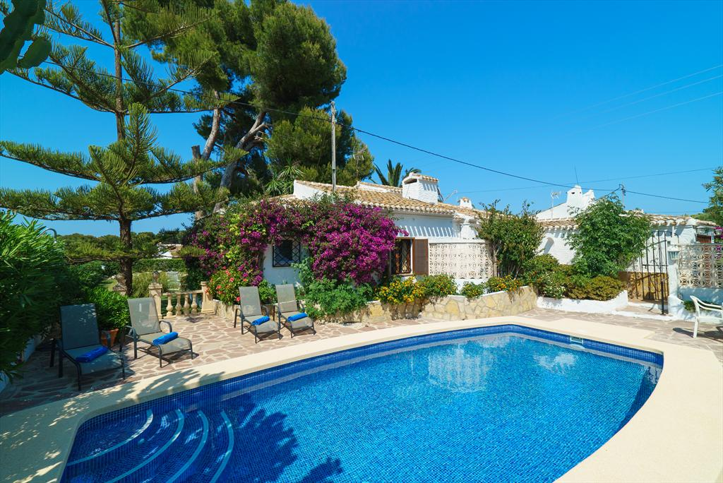 Ginjoler 4 pax, Beautiful and romantic villa in Javea, on the Costa Blanca, Spain  with private pool for 4 persons.....