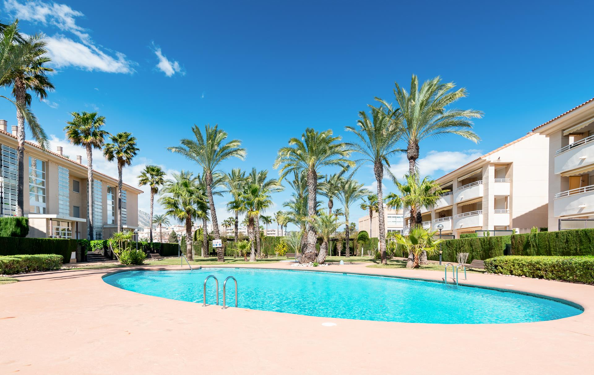 Golden Beach 1, Wonderful and comfortable apartment in Javea, on the Costa Blanca, Spain  with communal pool for 4 persons...