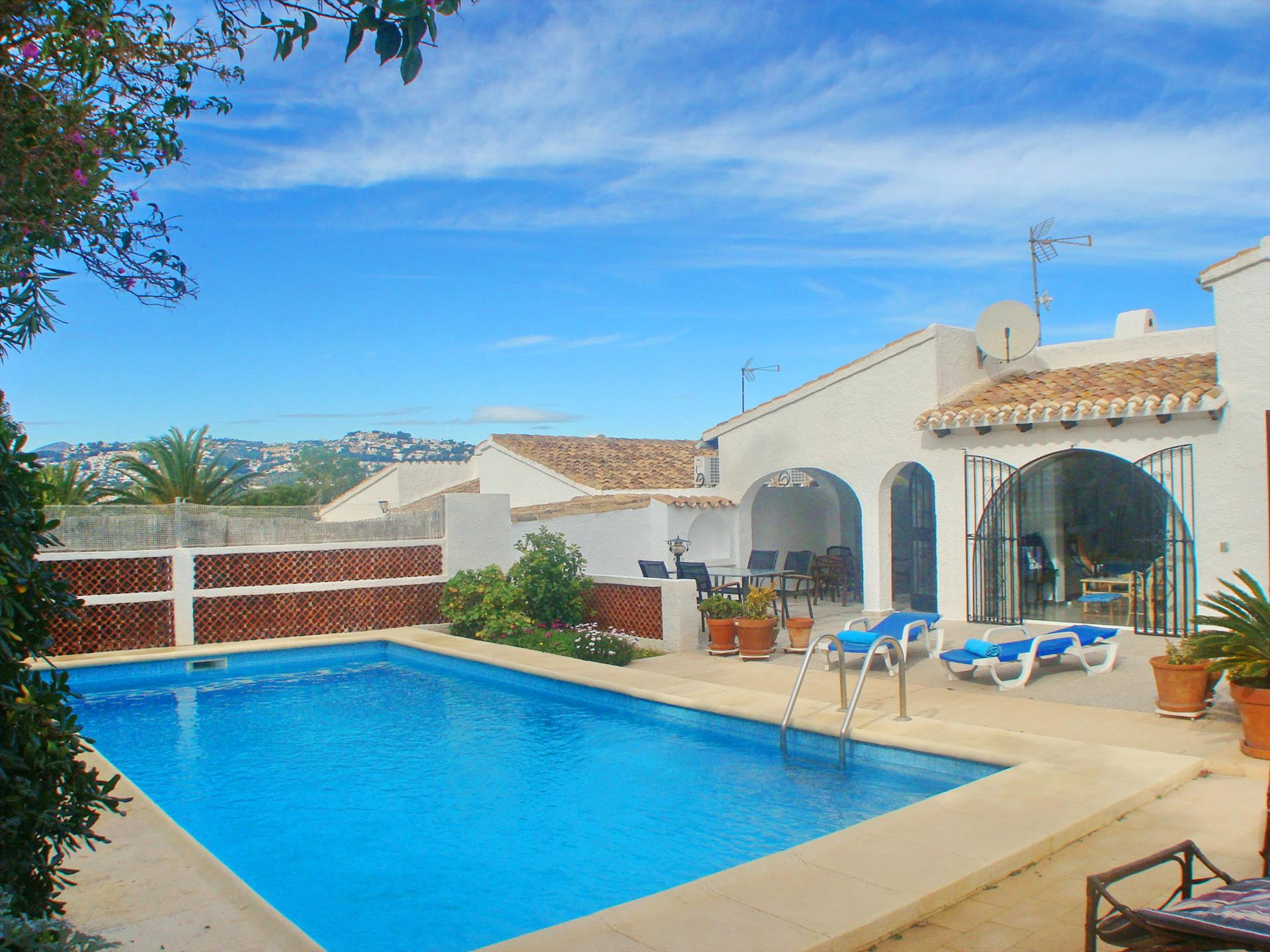 Villa Sol, Classic and cheerful villa in Moraira, on the Costa Blanca, Spain  with private pool for 6 persons.....