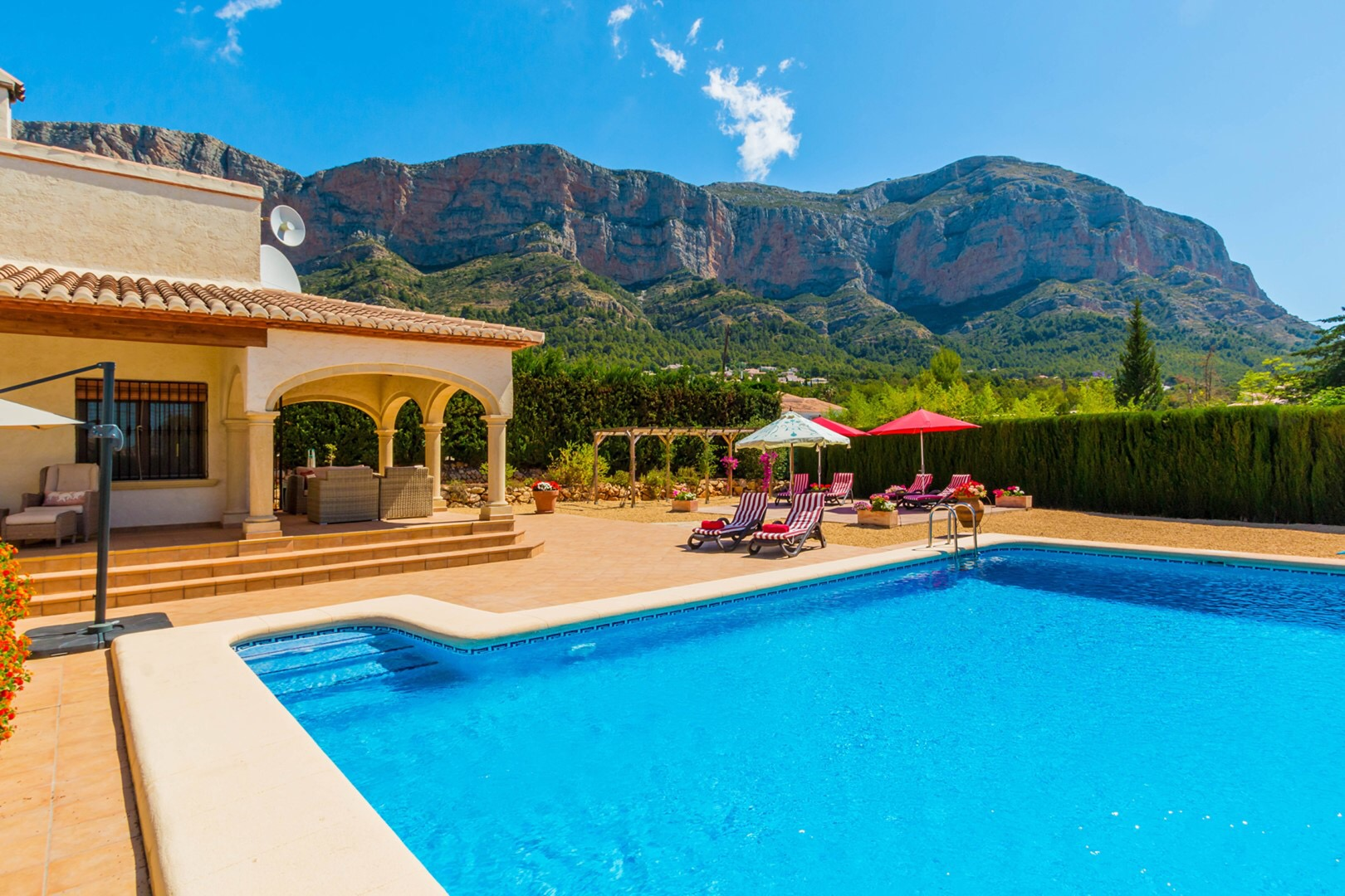 Villa Sandovals, Wonderful and comfortable holiday house with private pool in Javea, on the Costa Blanca, Spain for 10 persons. The house.....
