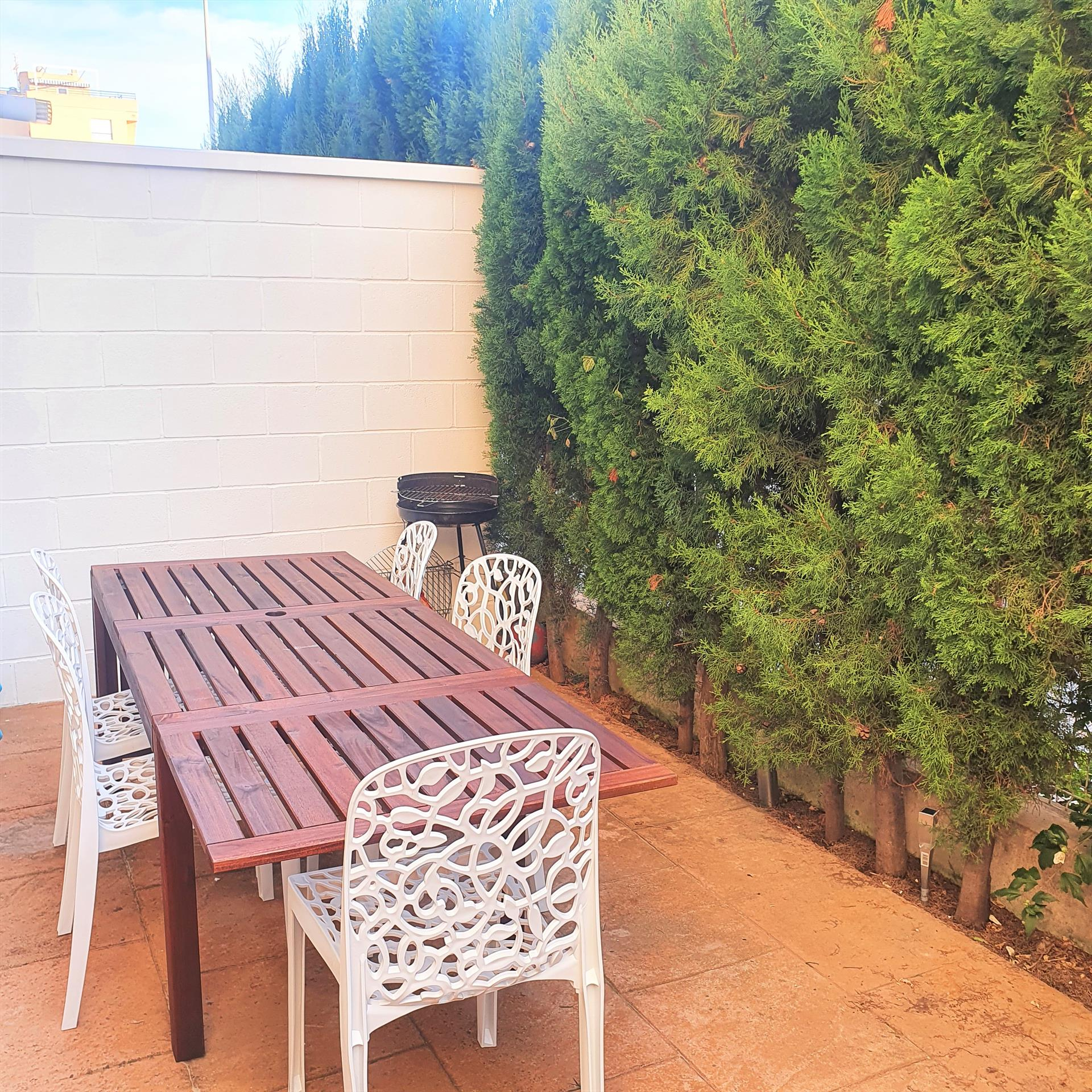 AP120 Avinyo Sector 5, Beautiful and cheerful apartment in Oliva, on the Costa Blanca, Spain  with communal pool for 2 persons.....