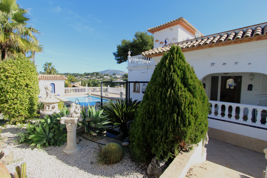 Delfin LT,Beautiful and romantic villa in Moraira, on the Costa Blanca, Spain  with private pool for 4 persons.....
