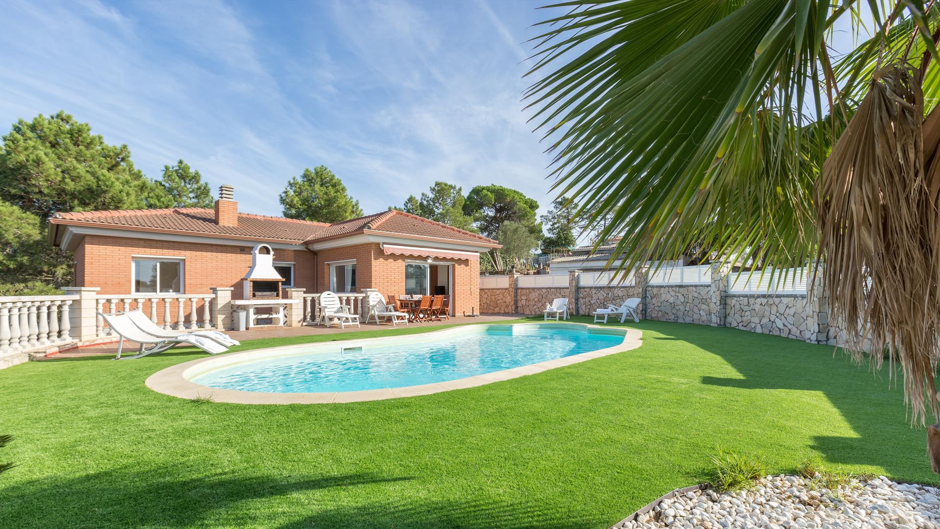 Mari,Villa in Lloret de Mar, on the Costa Brava, Spain  with private pool for 6 persons...