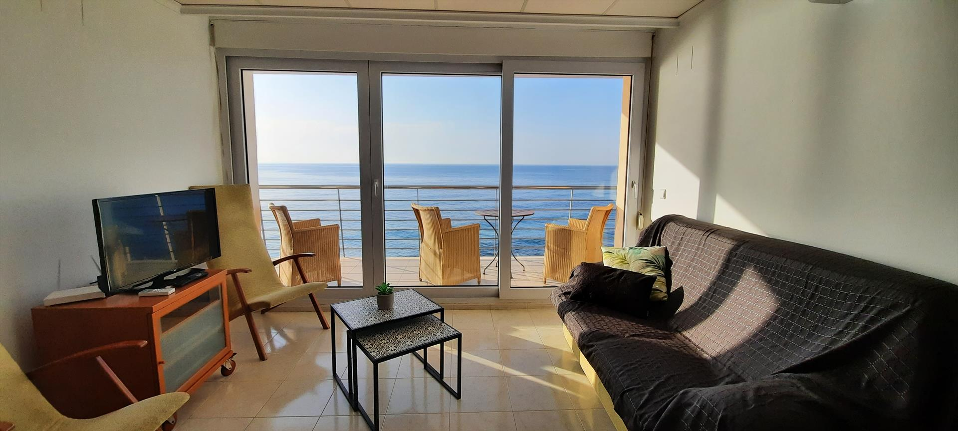 Vistas al Mar, Large and comfortable apartment in Moraira, on the Costa Blanca, Spain for 6 persons.....