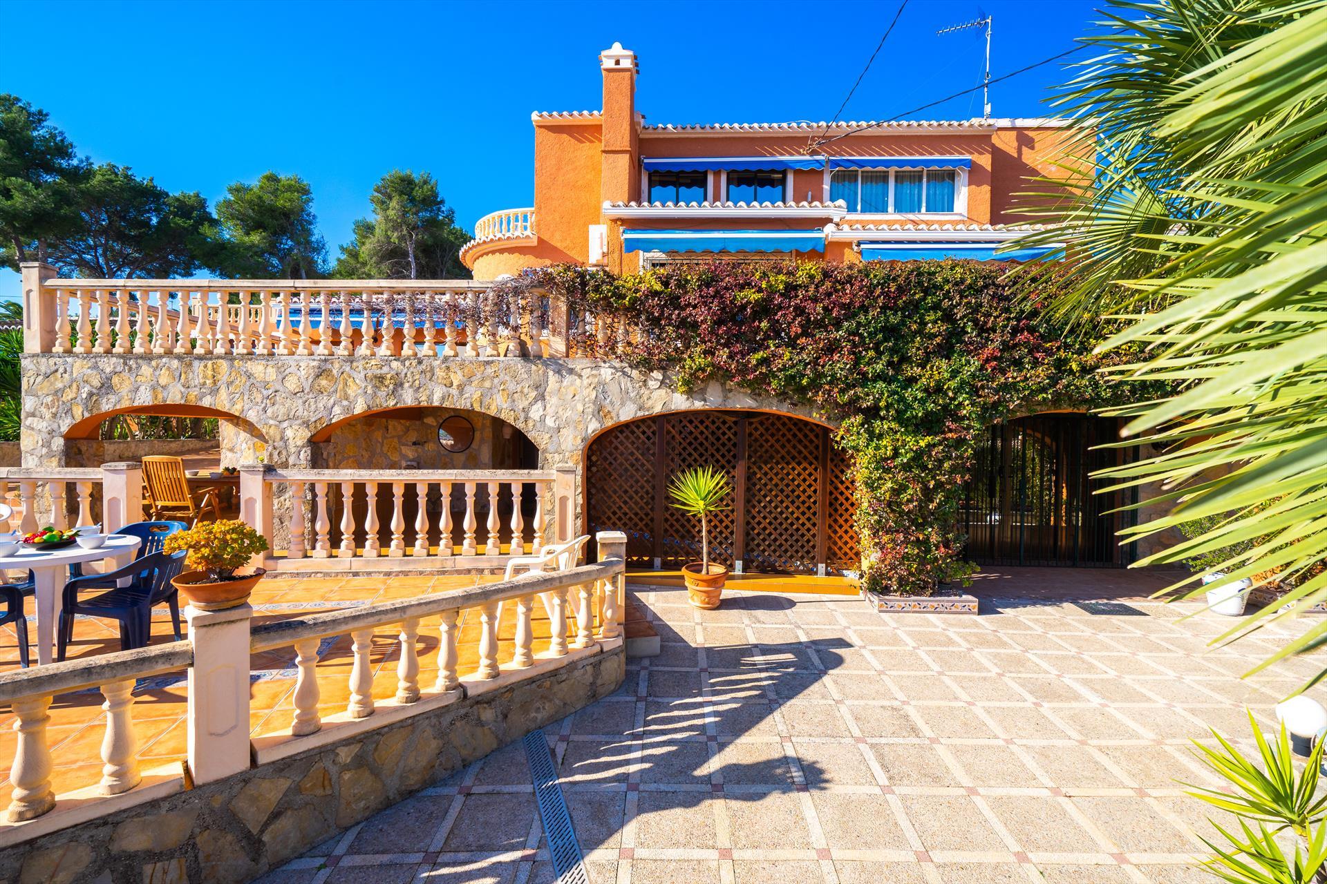 Curro 10 pax,Villa grande y graciosa  con piscina privada en Javea, en la Costa Blanca, España para 10 personas...