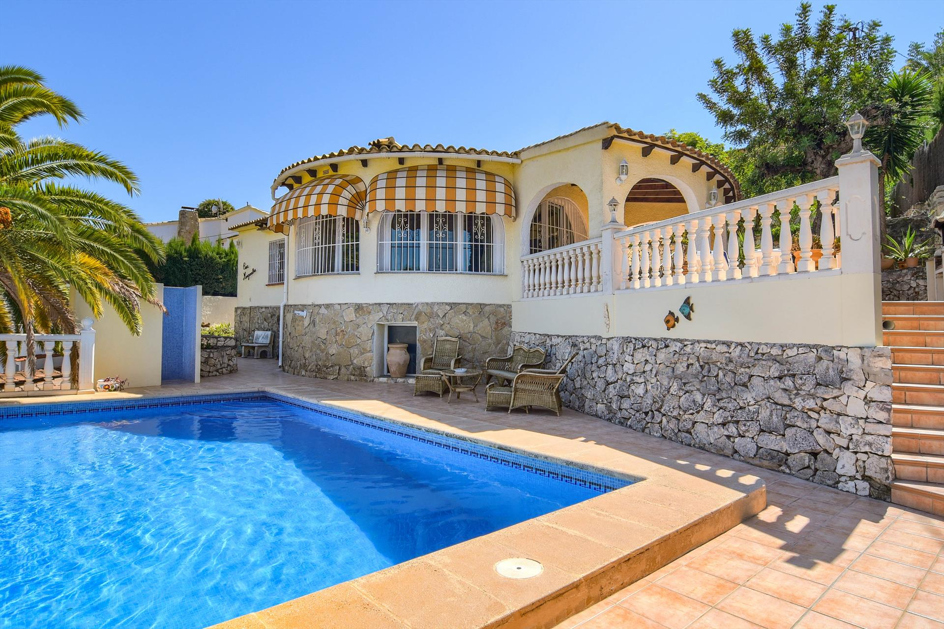 Margaritha, Beautiful and cheerful villa in Benissa, on the Costa Blanca, Spain  with private pool for 6 persons.....