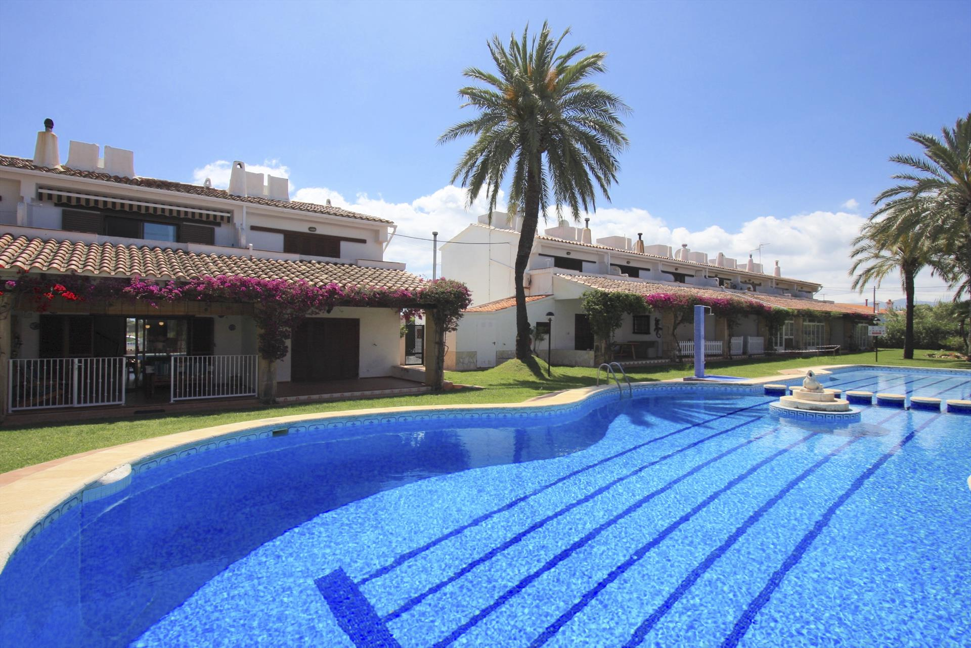 AP3210 Las Ranas Les Marines, Wonderful and cheerful apartment in Denia, on the Costa Blanca, Spain  with communal pool for 7 persons.....