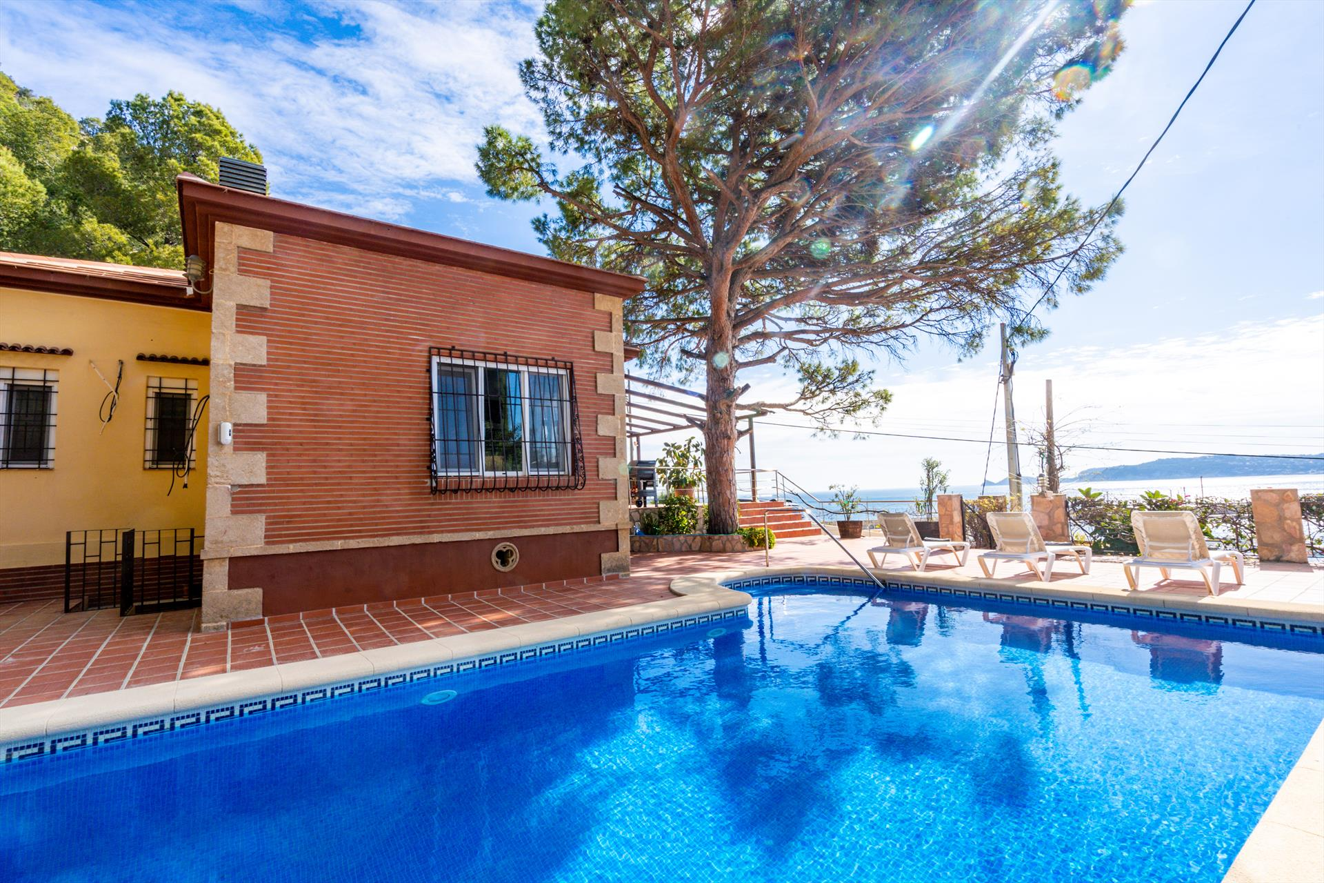 Puerto Paraiso 6 pax, Beautiful and romantic villa in Javea, on the Costa Blanca, Spain  with private pool for 6 persons...