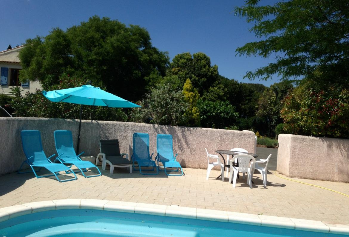 Wisteria gite at domaine du pin,Lovely apartment  with communal pool in Beziers, Languedoc-Roussillon, France for 2 persons...