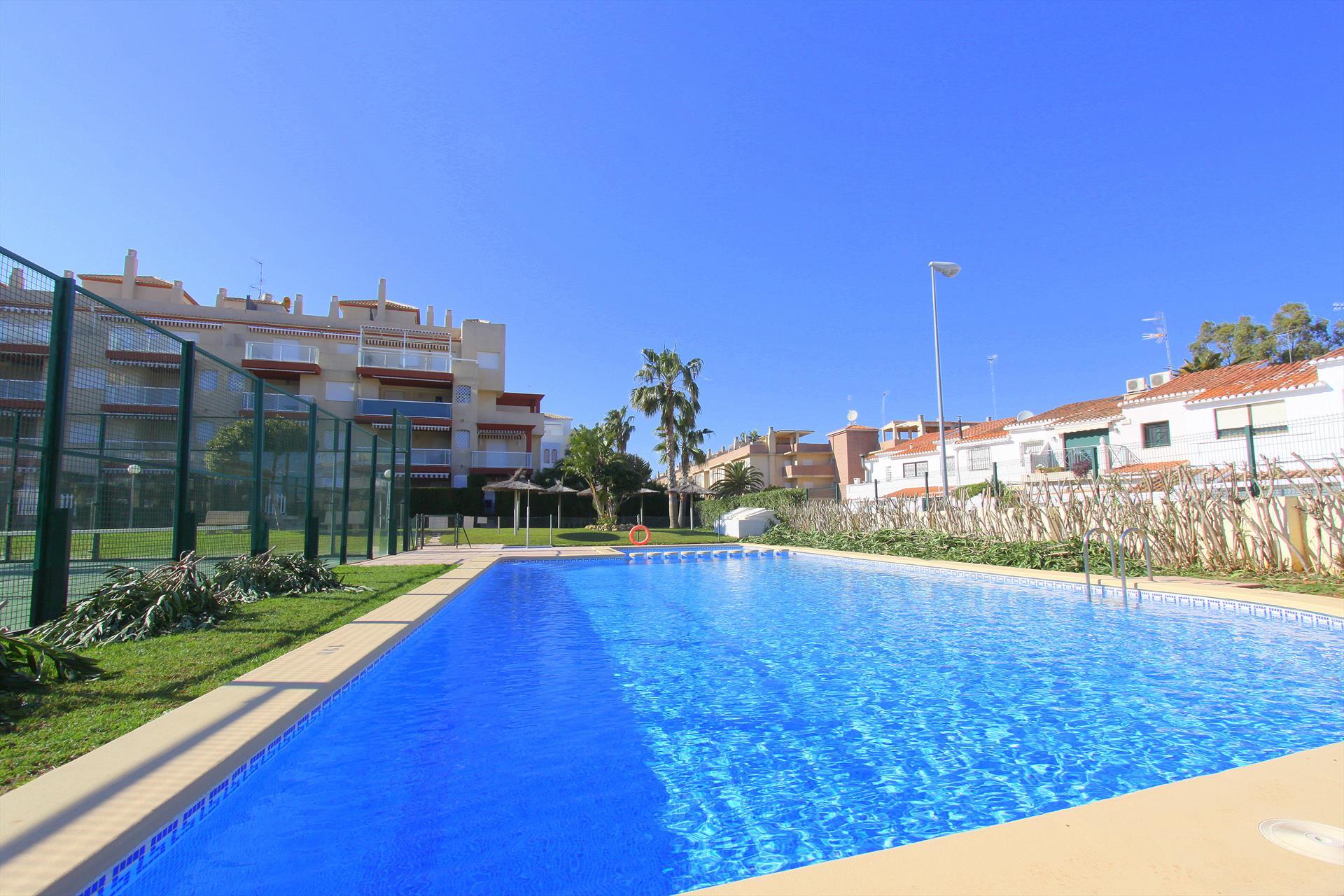 Apartamento maravista,Modern en comfortabel appartement  met gemeenschappelijk zwembad in Denia, aan de Costa Blanca, Spanje voor 4 personen...