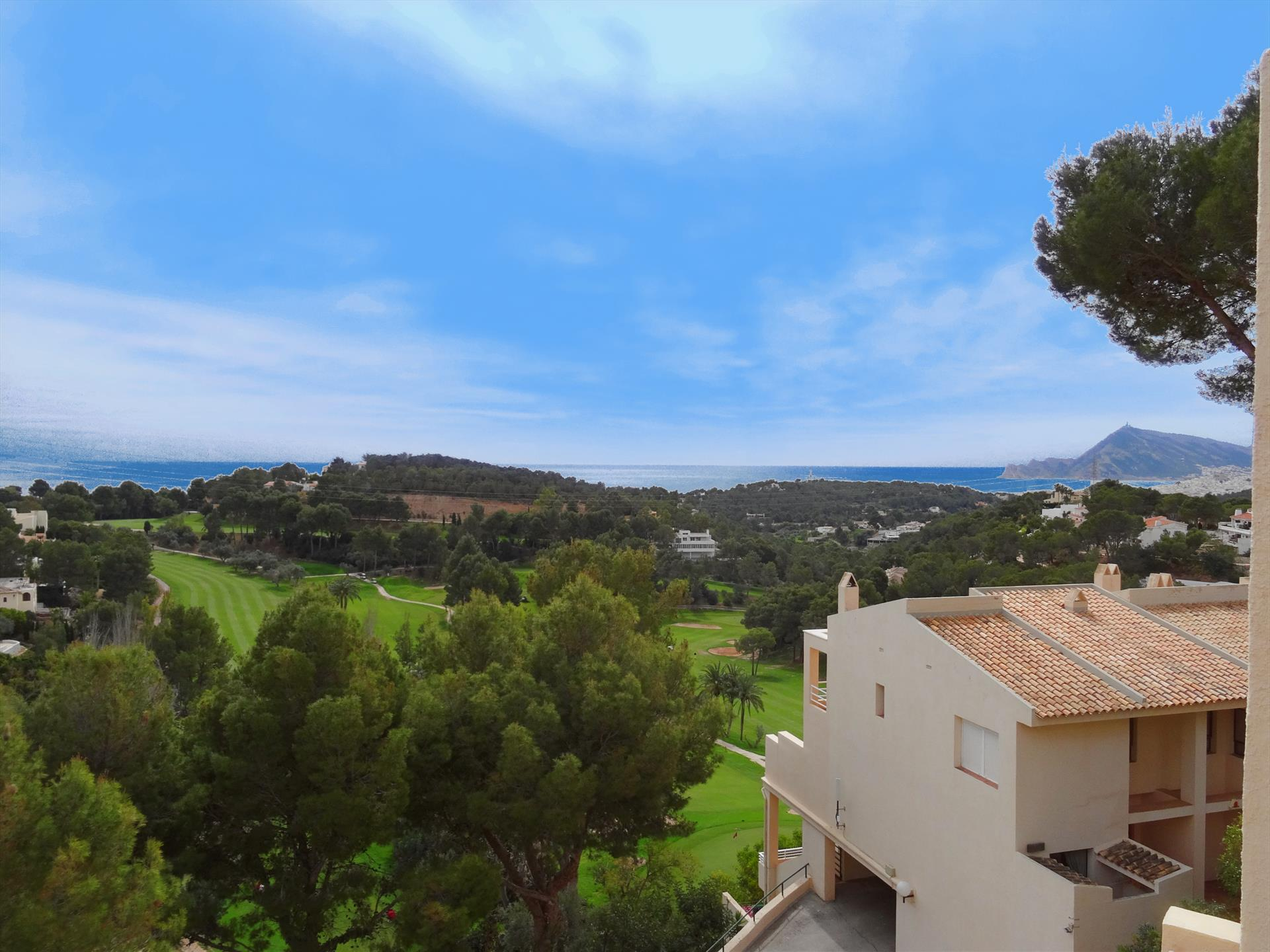 Lovely and cheerful apartment in Altea, on the Costa Blanca, Spain for 6 persons