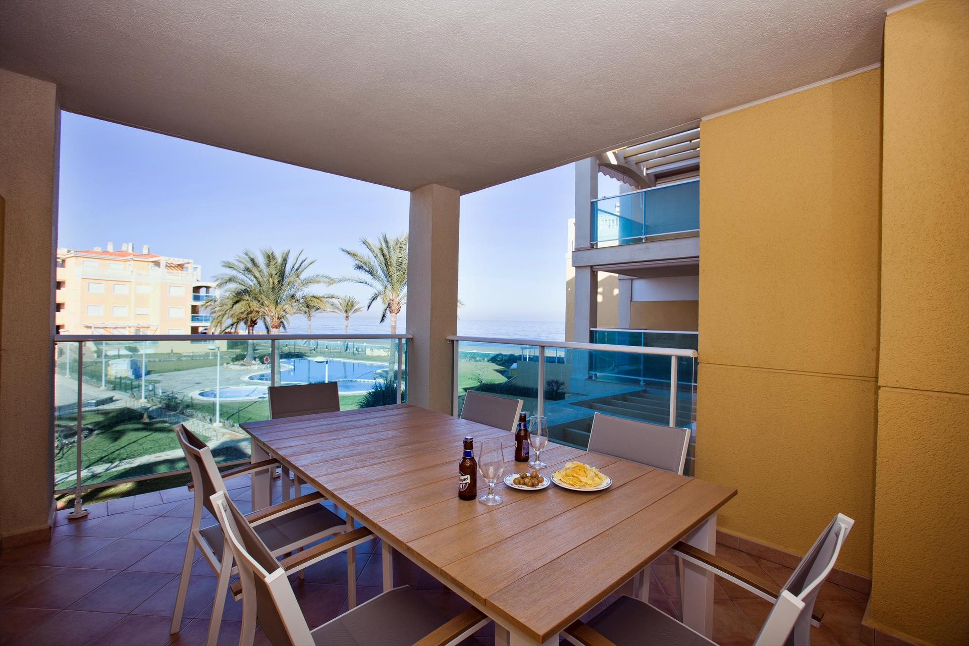 Marina Azul, Wonderful and cheerful apartment in Denia, on the Costa Blanca, Spain for 4 persons.....