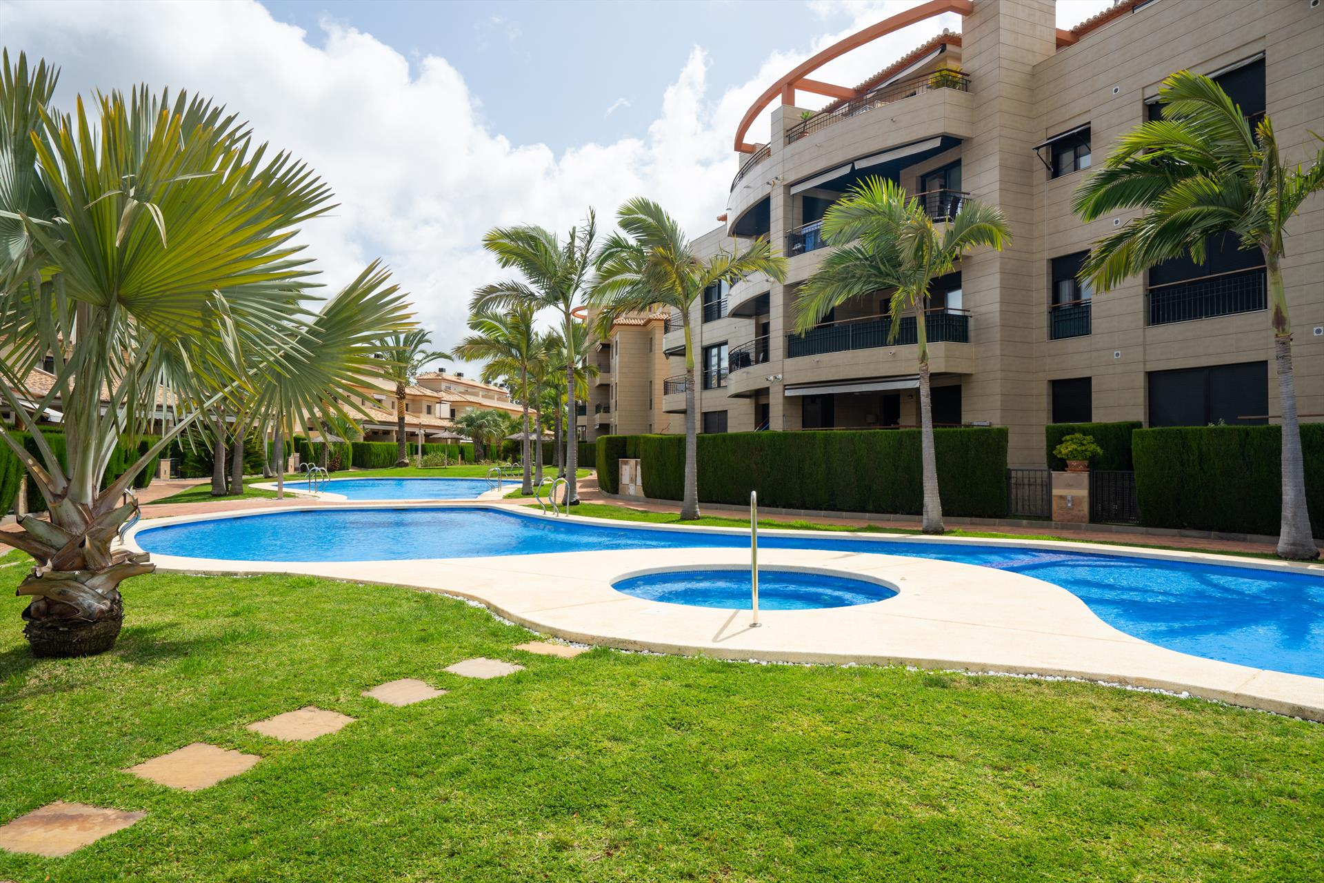 Jardines de Gorgos, Modern and comfortable apartment in Javea, on the Costa Blanca, Spain  with communal pool for 8 persons.....