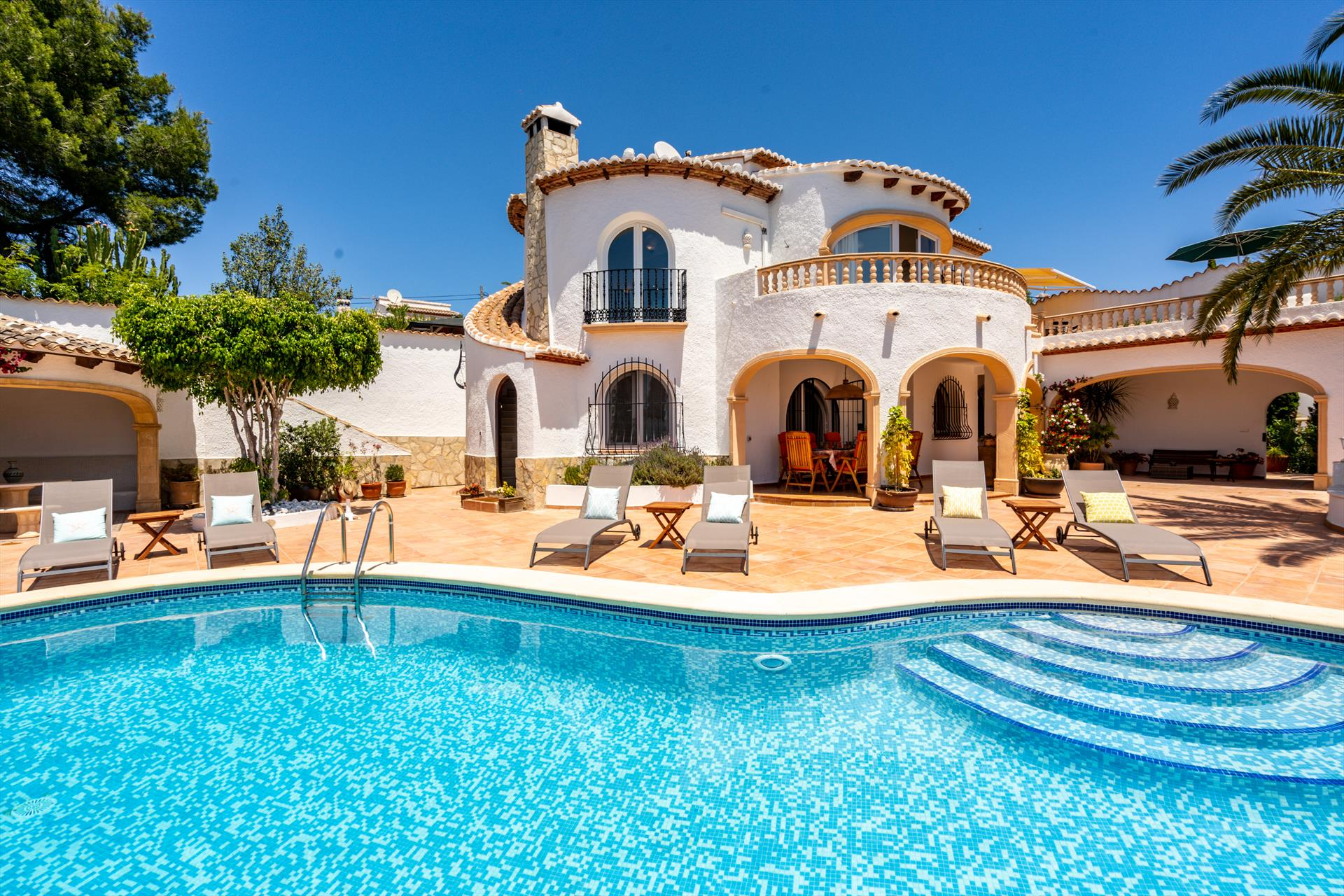Entre Mar y Tierra, Large and nice villa  with private pool in Javea, on the Costa Blanca, Spain for 9 persons.....